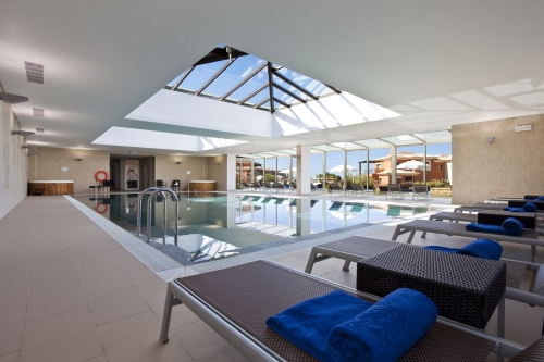 Indoor Pool with Jacuzzi