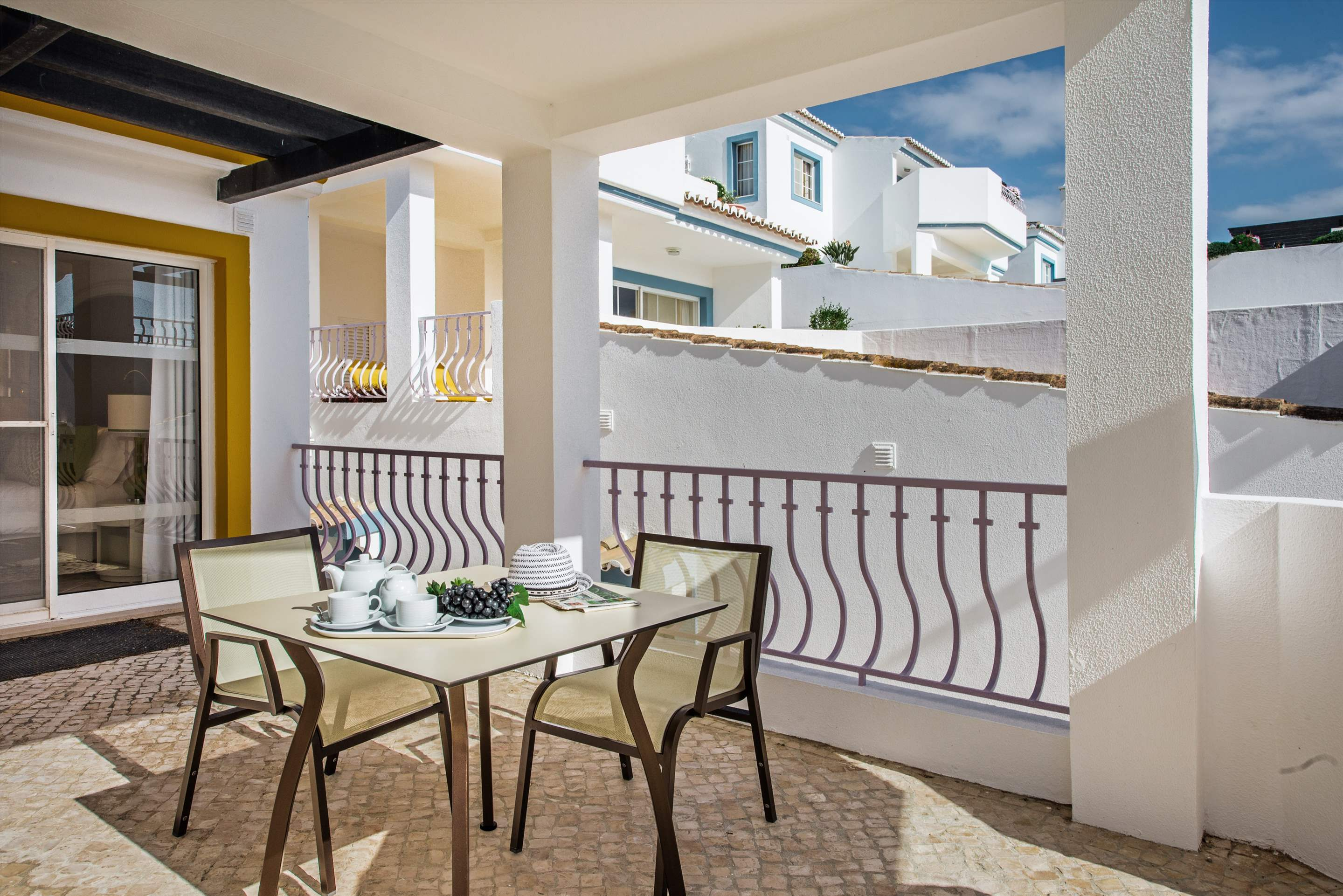 Four Seasons Fairway 2 Bed Hillside Apt -Jacuzzi, Sunday Arrival, 2 bedroom villa in Four Seasons Fairways, Algarve Photo #13