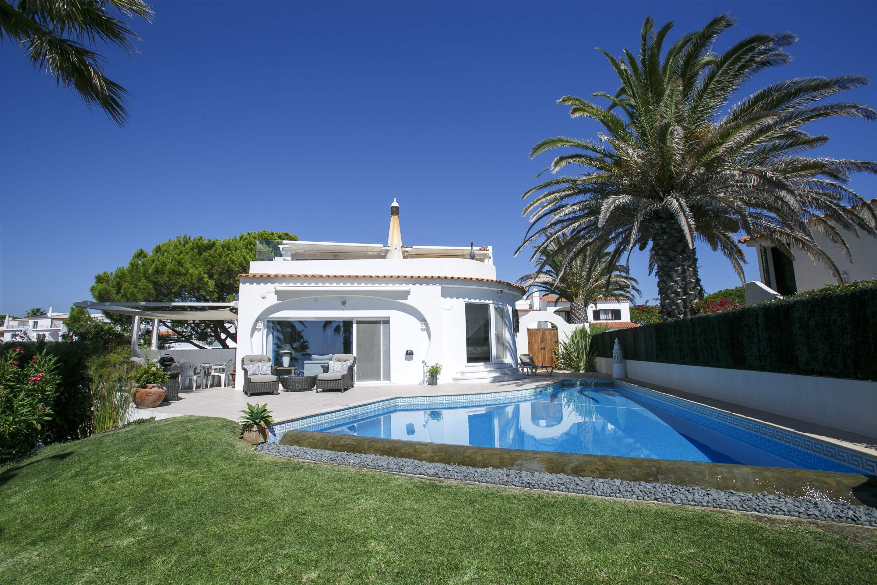 Villa Ocean Beach, 4 bedroom villa in Vale do Lobo, Algarve