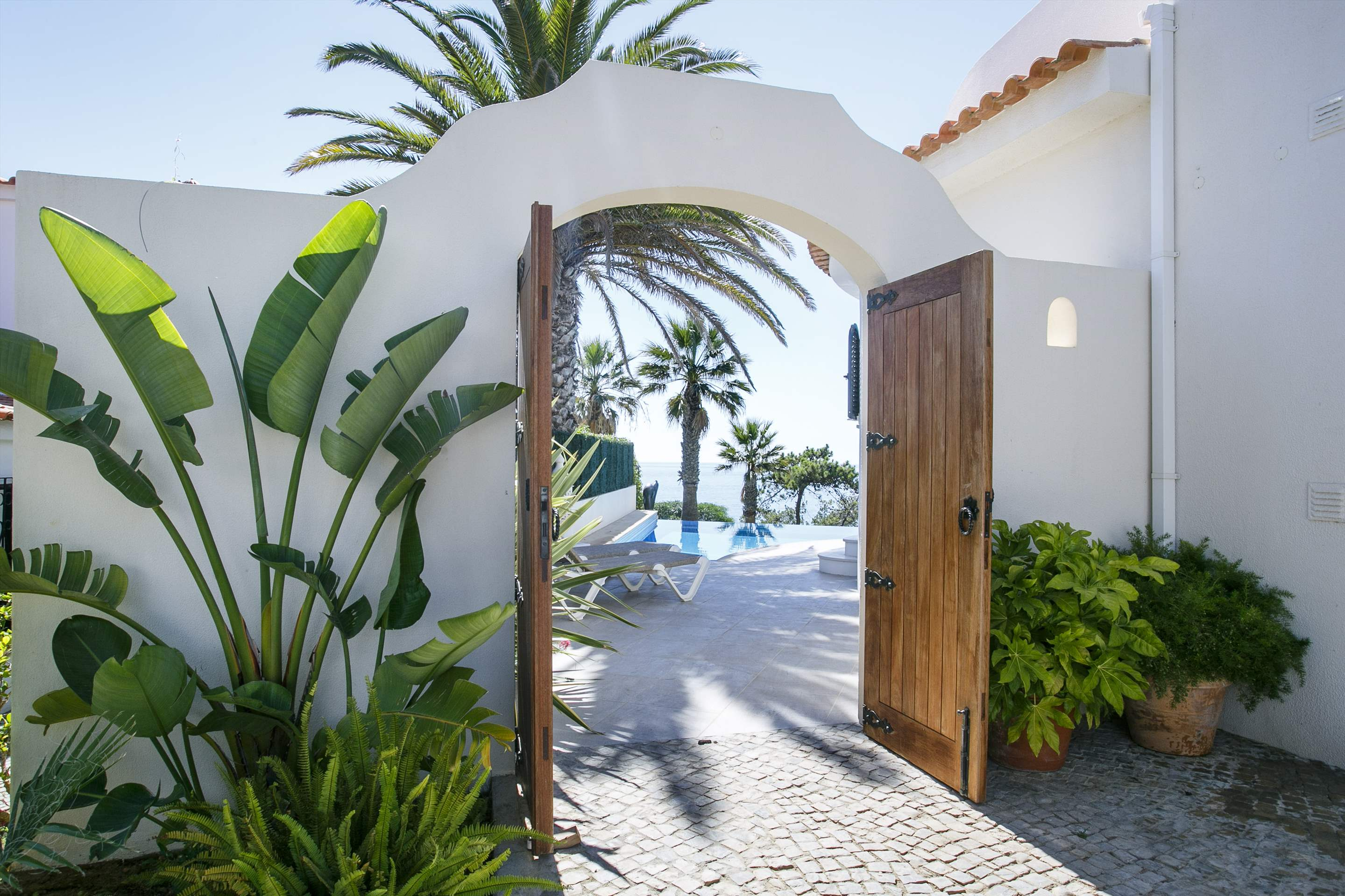 Villa Ocean Beach, 4 bedroom villa in Vale do Lobo, Algarve Photo #12
