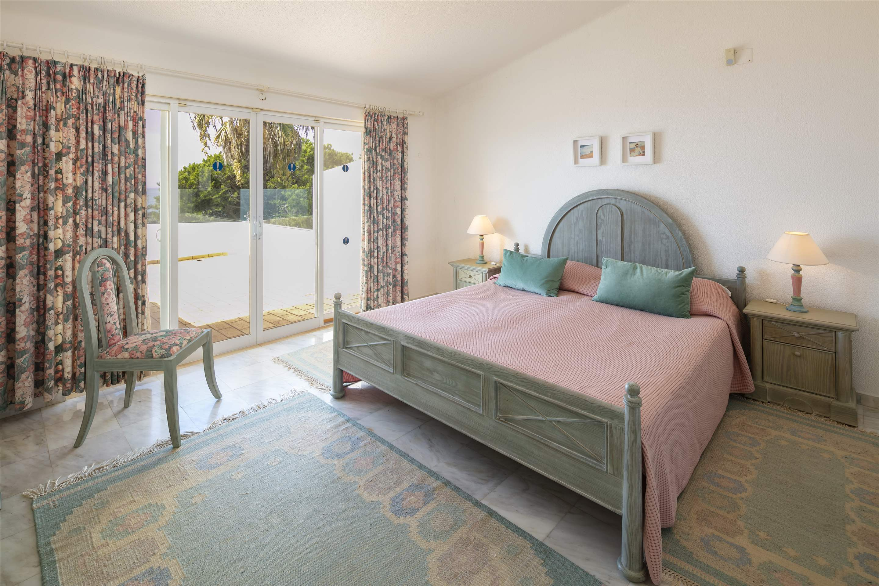 Villa Ocean Beach, 4 bedroom villa in Vale do Lobo, Algarve Photo #13