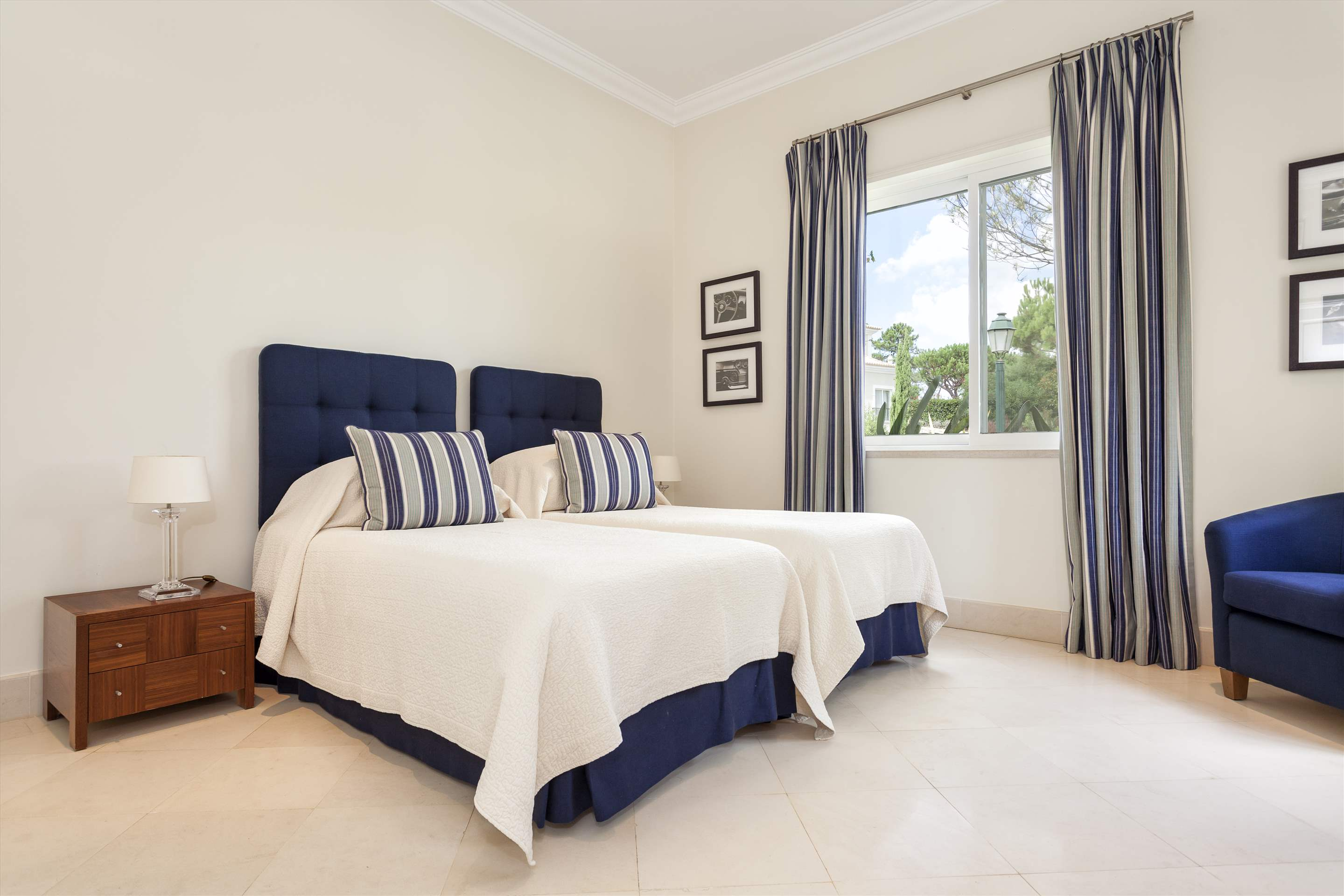 Villa Campainha, 4 Bedroom Rental, 4 bedroom villa in Quinta do Lago, Algarve Photo #17