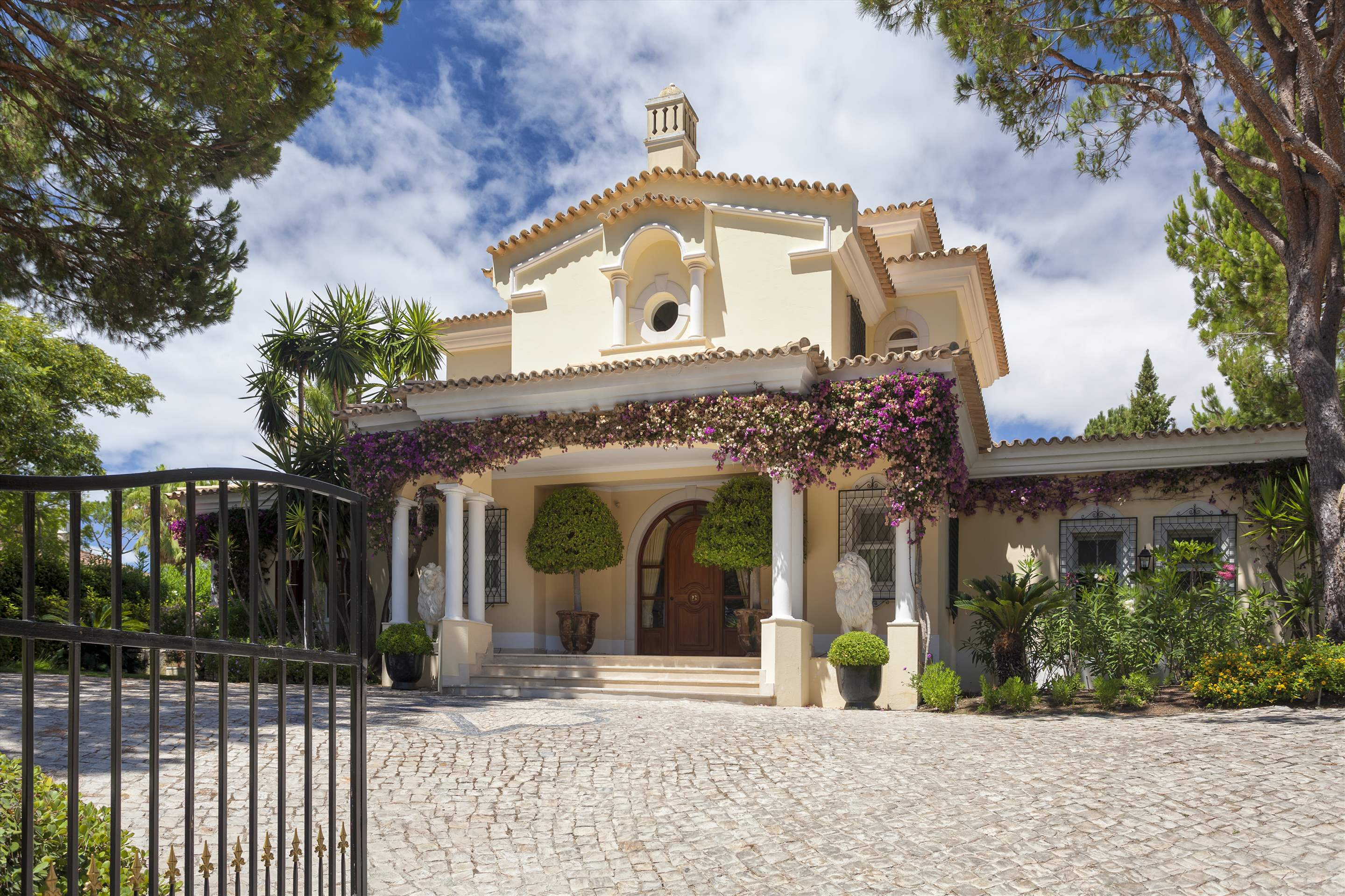Villa Panache, 4 bedroom villa in Quinta do Lago, Algarve Photo #10