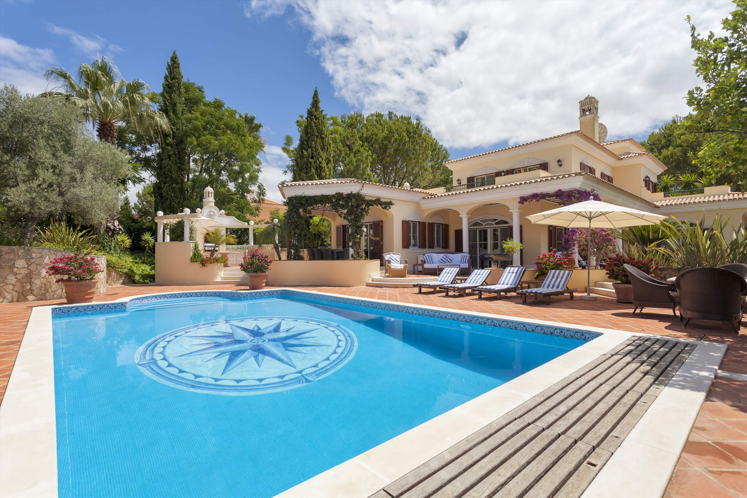 Villa Panache, 4 bedroom villa in Quinta do Lago, Algarve Photo #20