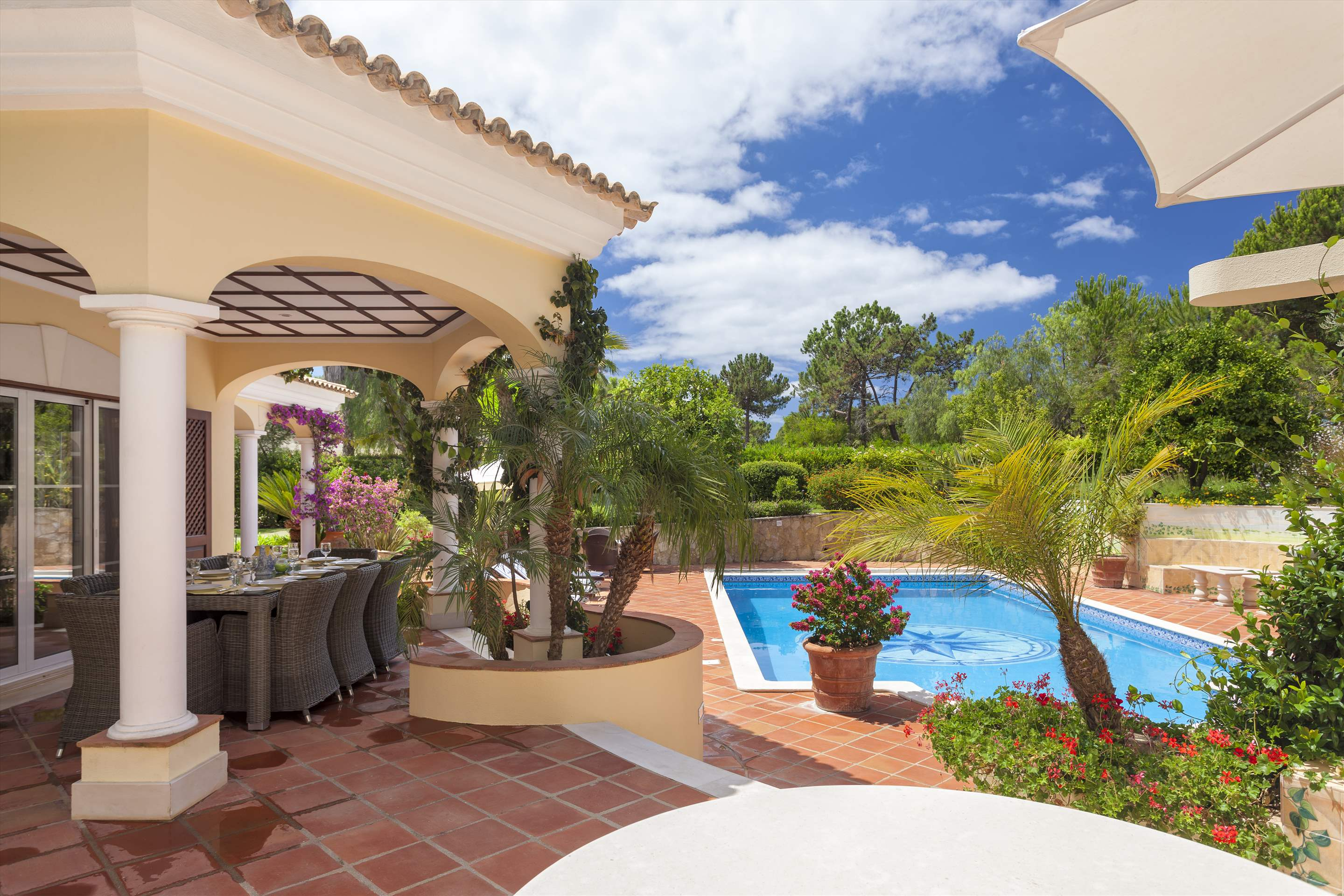 Villa Panache, 4 bedroom villa in Quinta do Lago, Algarve Photo #21