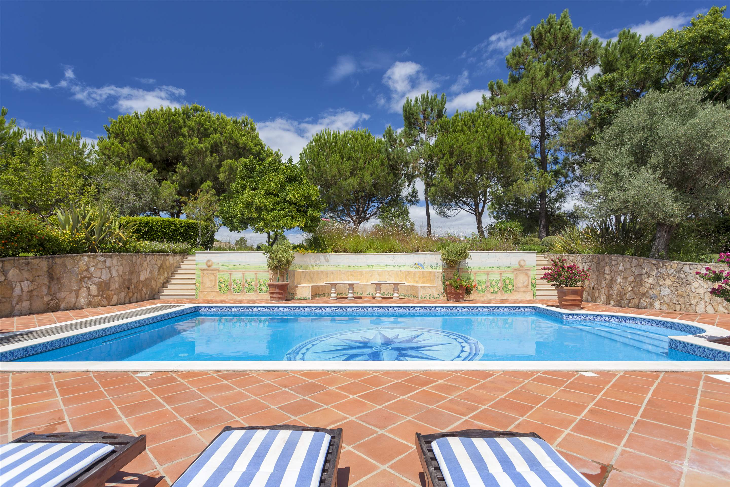 Villa Panache, 4 bedroom villa in Quinta do Lago, Algarve Photo #22