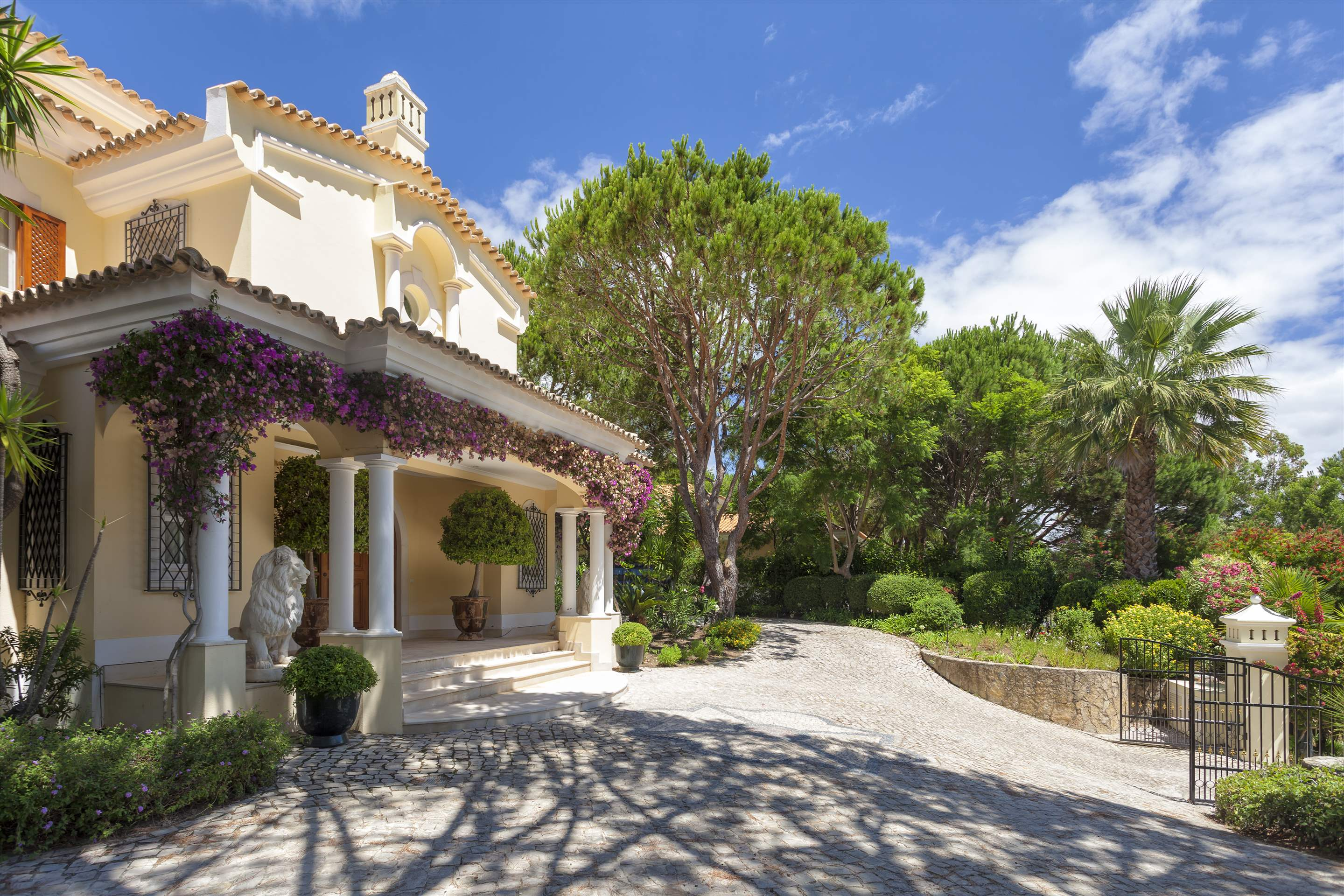Villa Panache, 4 bedroom villa in Quinta do Lago, Algarve Photo #24