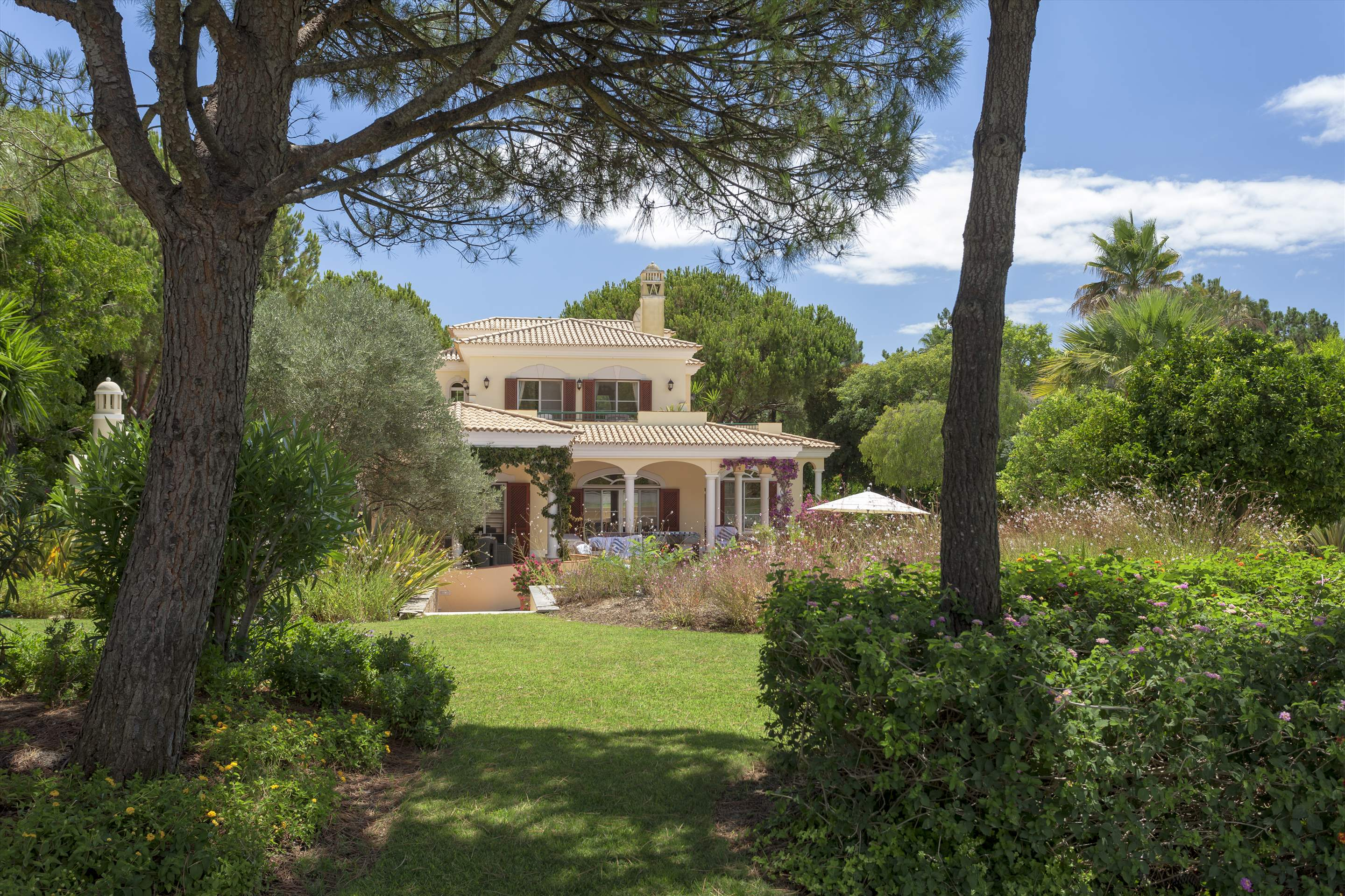 Villa Panache, 4 bedroom villa in Quinta do Lago, Algarve Photo #25