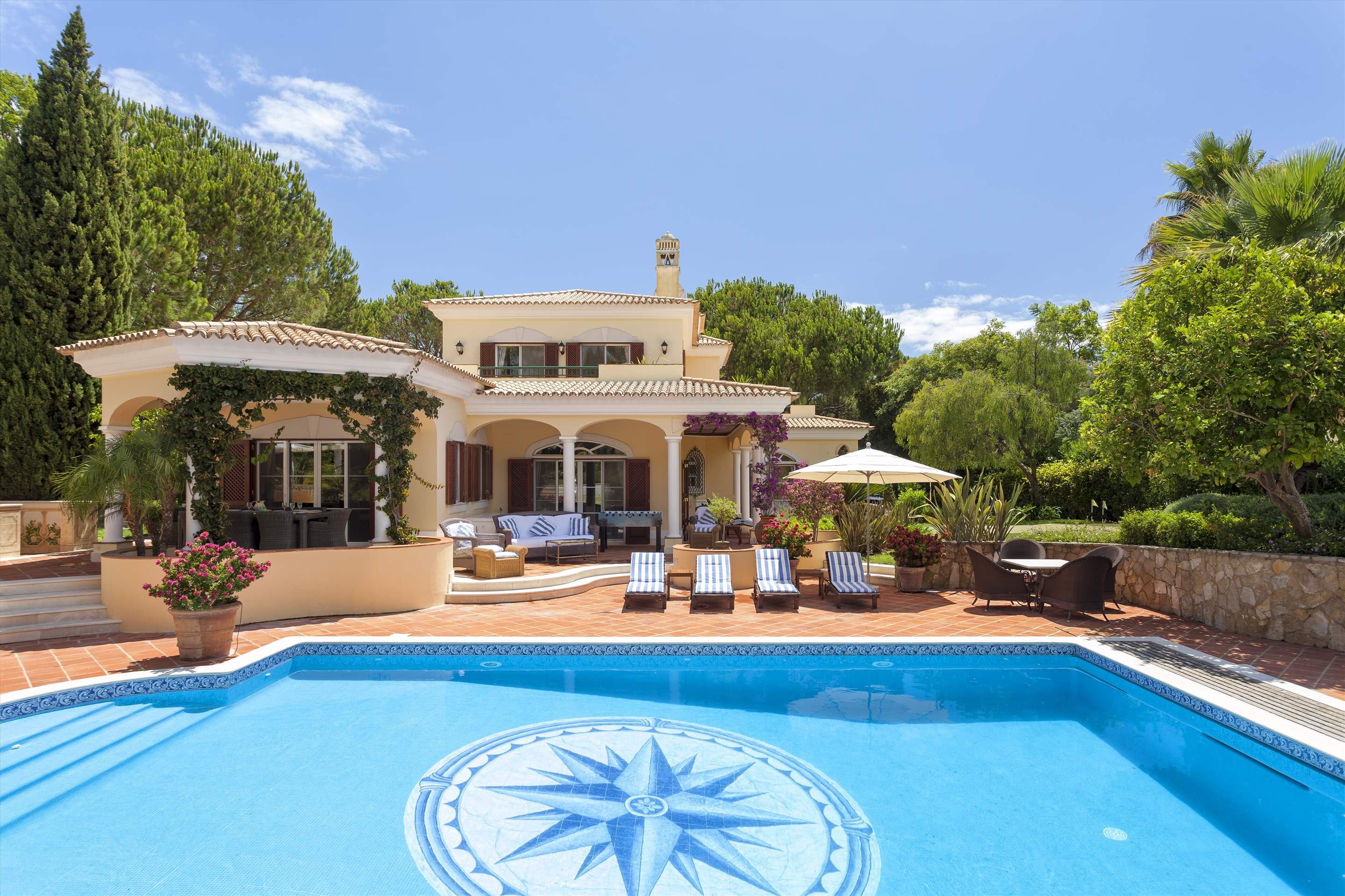 Villa Panache, 4 bedroom villa in Quinta do Lago, Algarve Photo #9