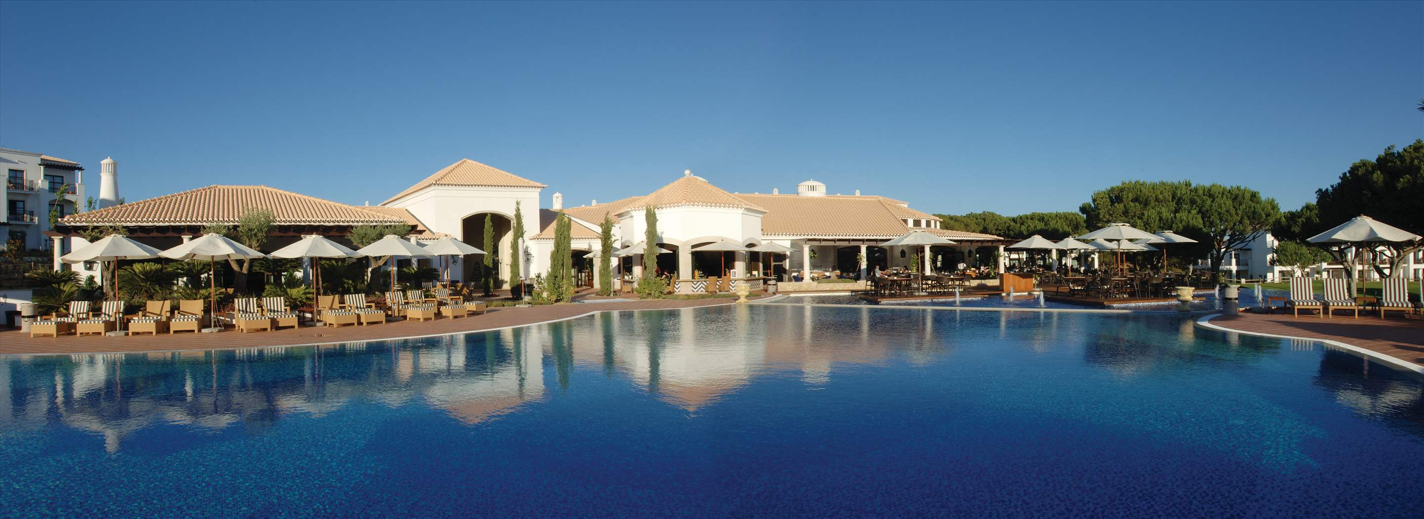 Pine Cliffs Residence, 2 bed luxury comfort suite, 2 bedroom apartment in Pine Cliffs Resort, Algarve Photo #3