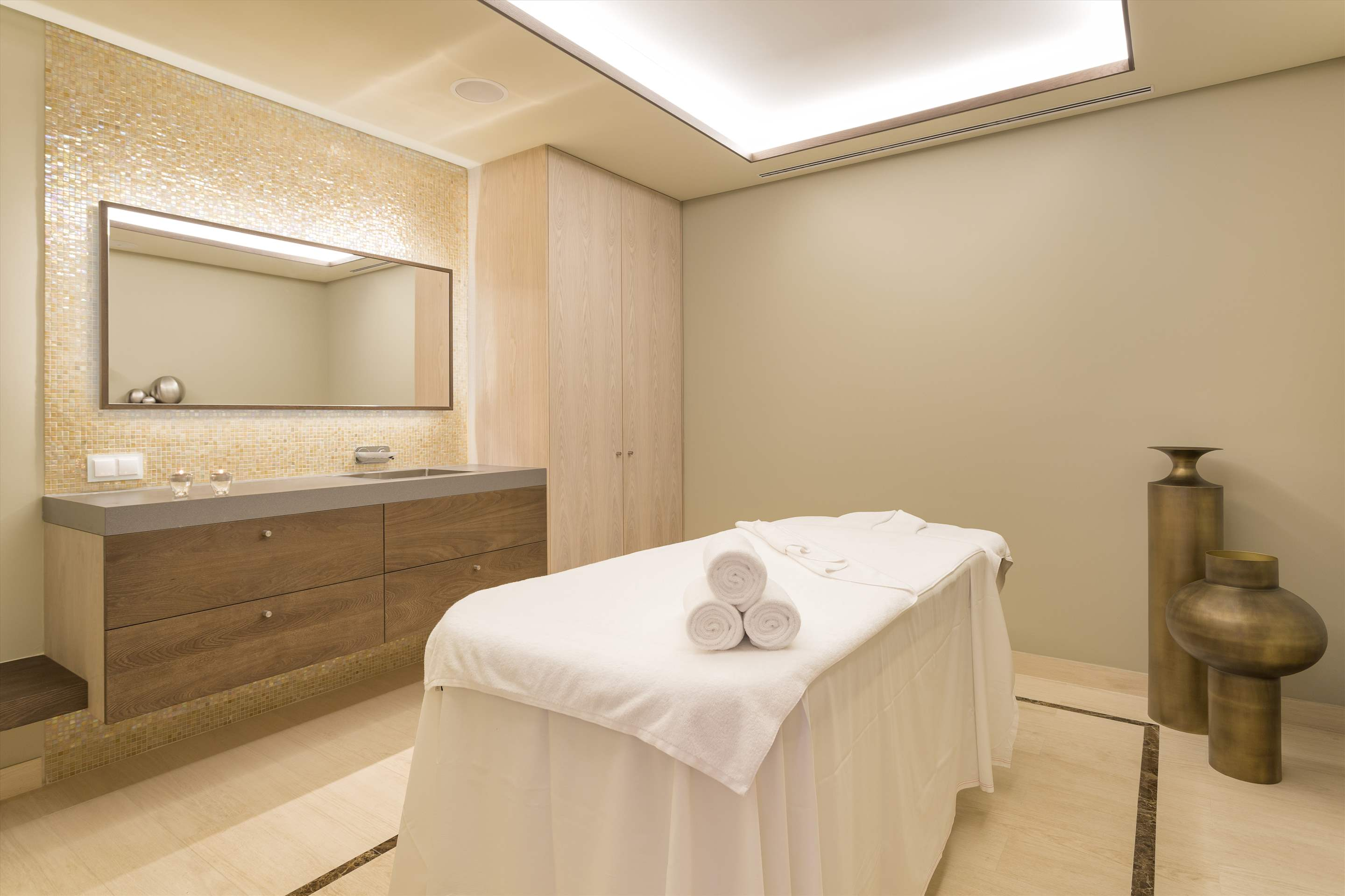 Pine Cliffs Residence, Penthouse 2 bed luxury suite, 2 bedroom apartment in Pine Cliffs Resort, Algarve Photo #32