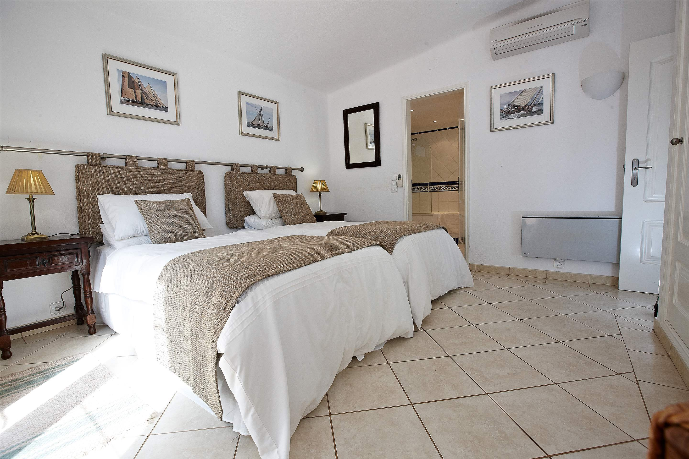 Villa Gabriella, 4 bedroom villa in Vale do Lobo, Algarve Photo #13
