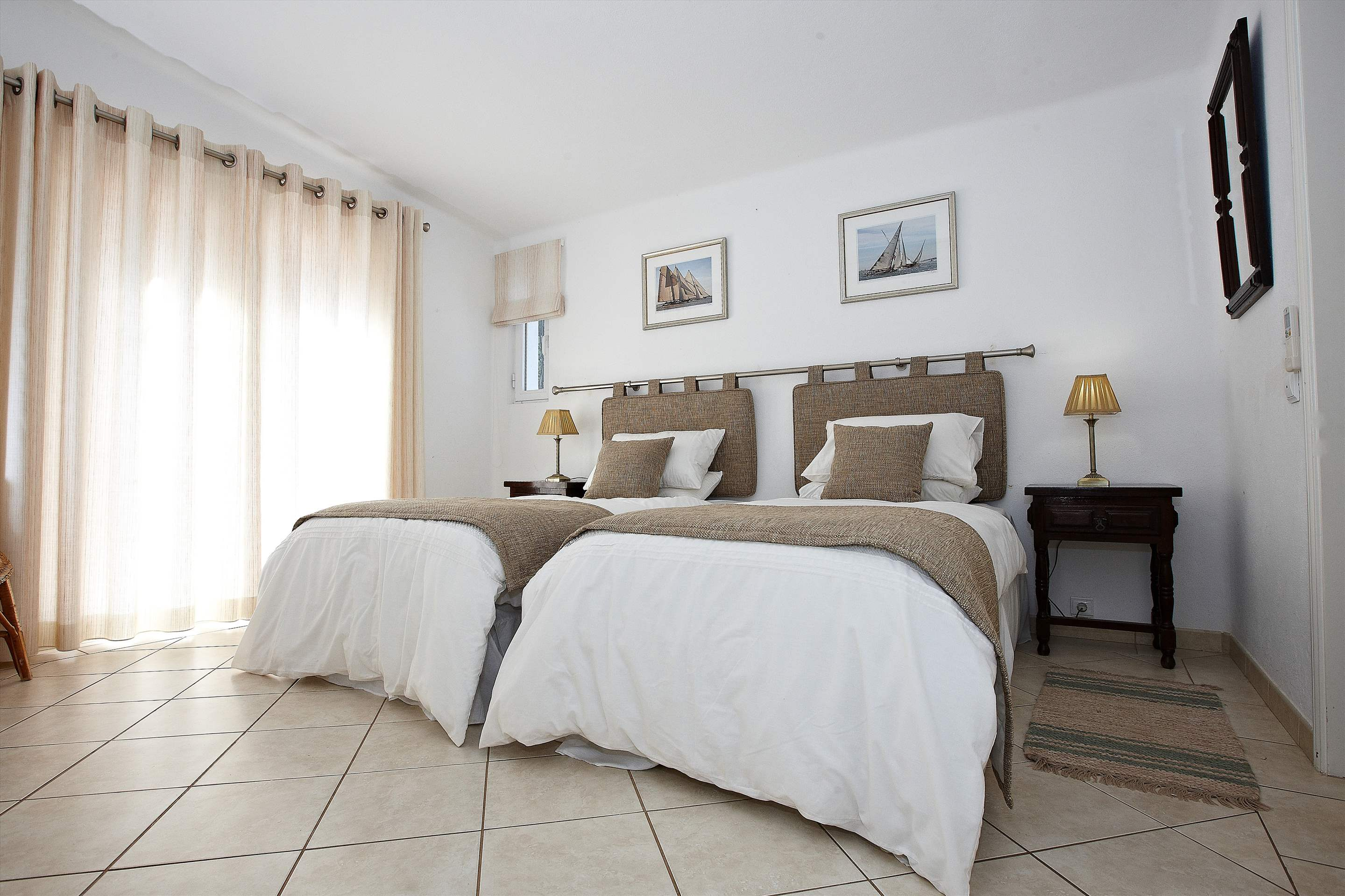 Villa Gabriella, 4 bedroom villa in Vale do Lobo, Algarve Photo #14