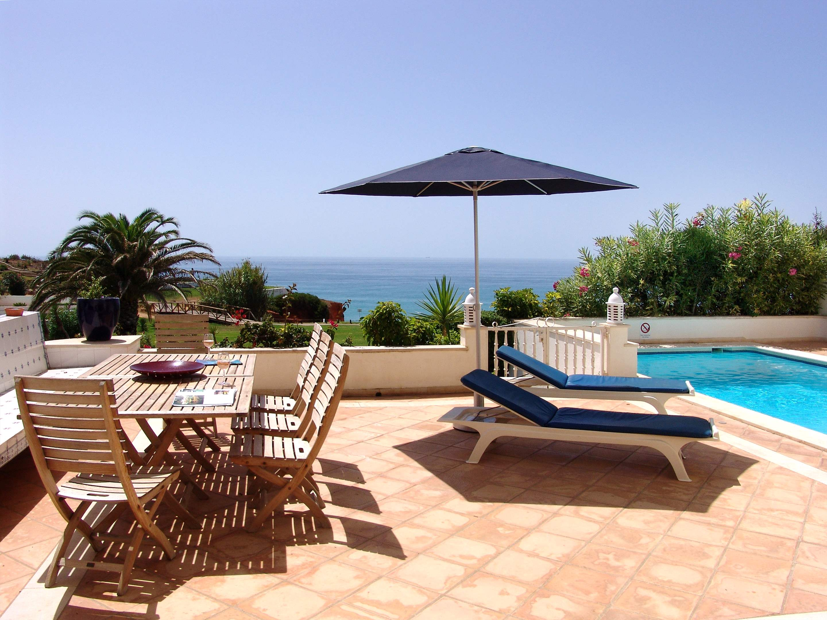 Villas Louisa, 3 bedroom, 3 bedroom villa in Vale do Lobo, Algarve Photo #12