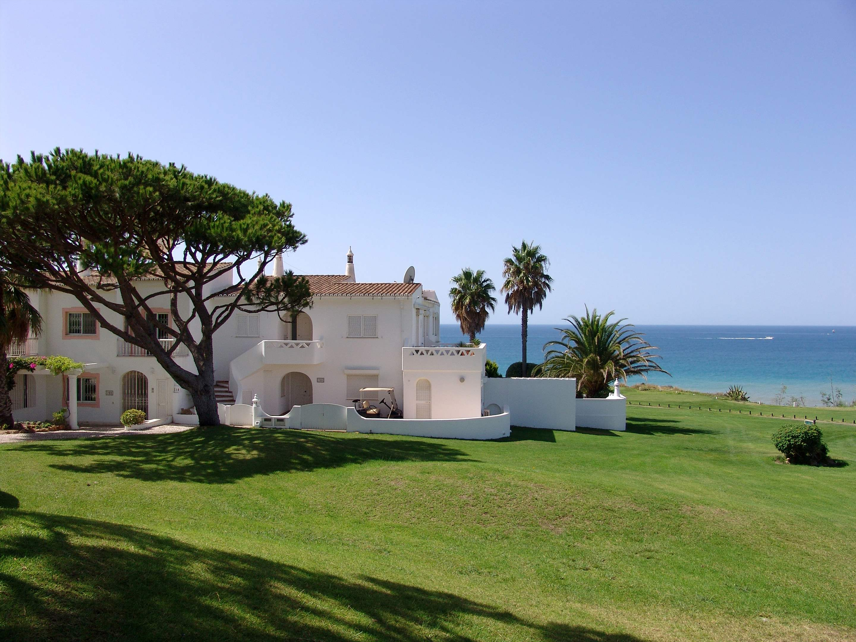 Villas Louisa, 3 bedroom, 3 bedroom villa in Vale do Lobo, Algarve Photo #14