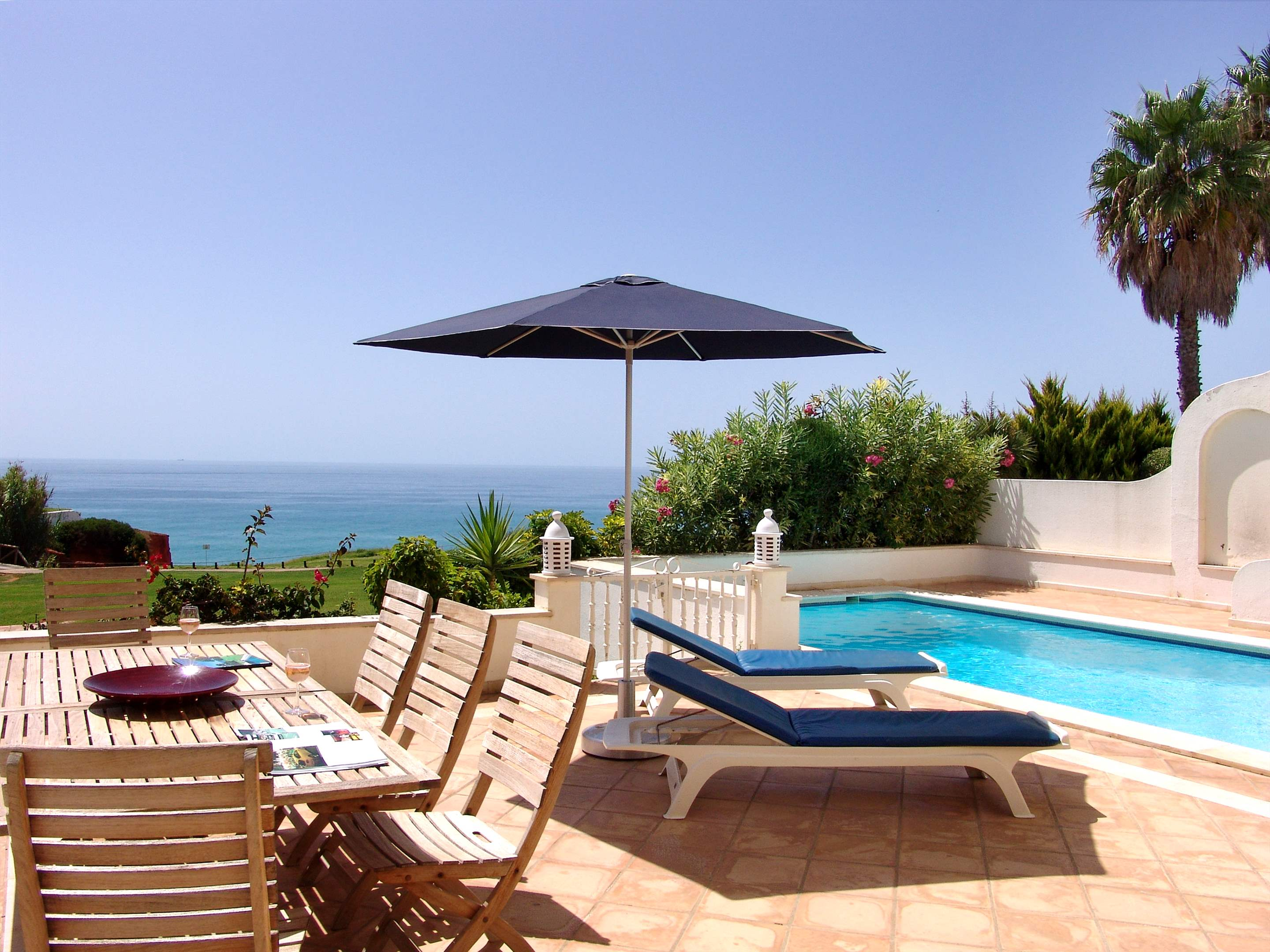 Villas Louisa, 3 bedroom, 3 bedroom villa in Vale do Lobo, Algarve Photo #2