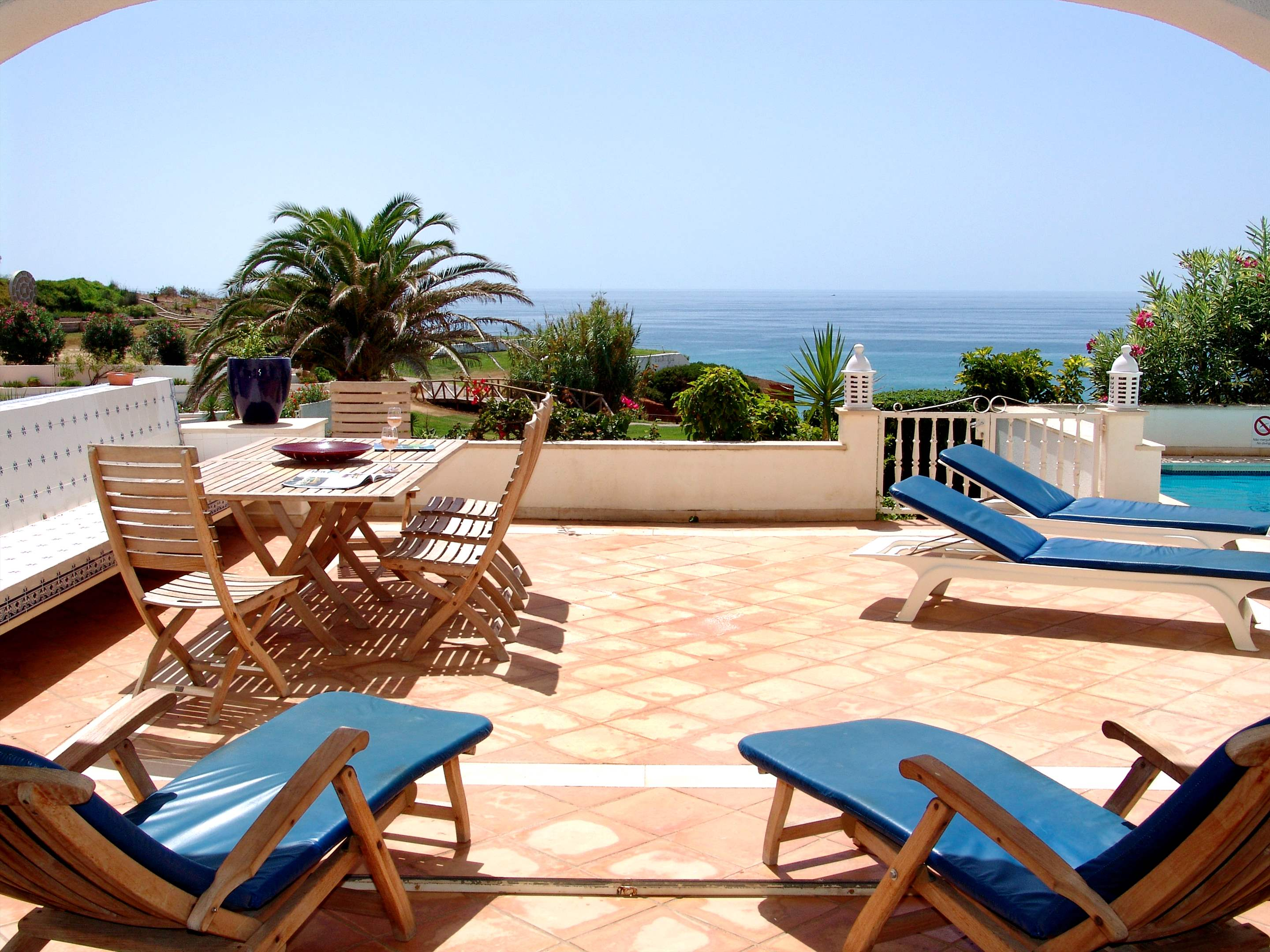 Villas Louisa, 3 bedroom, 3 bedroom villa in Vale do Lobo, Algarve Photo #24