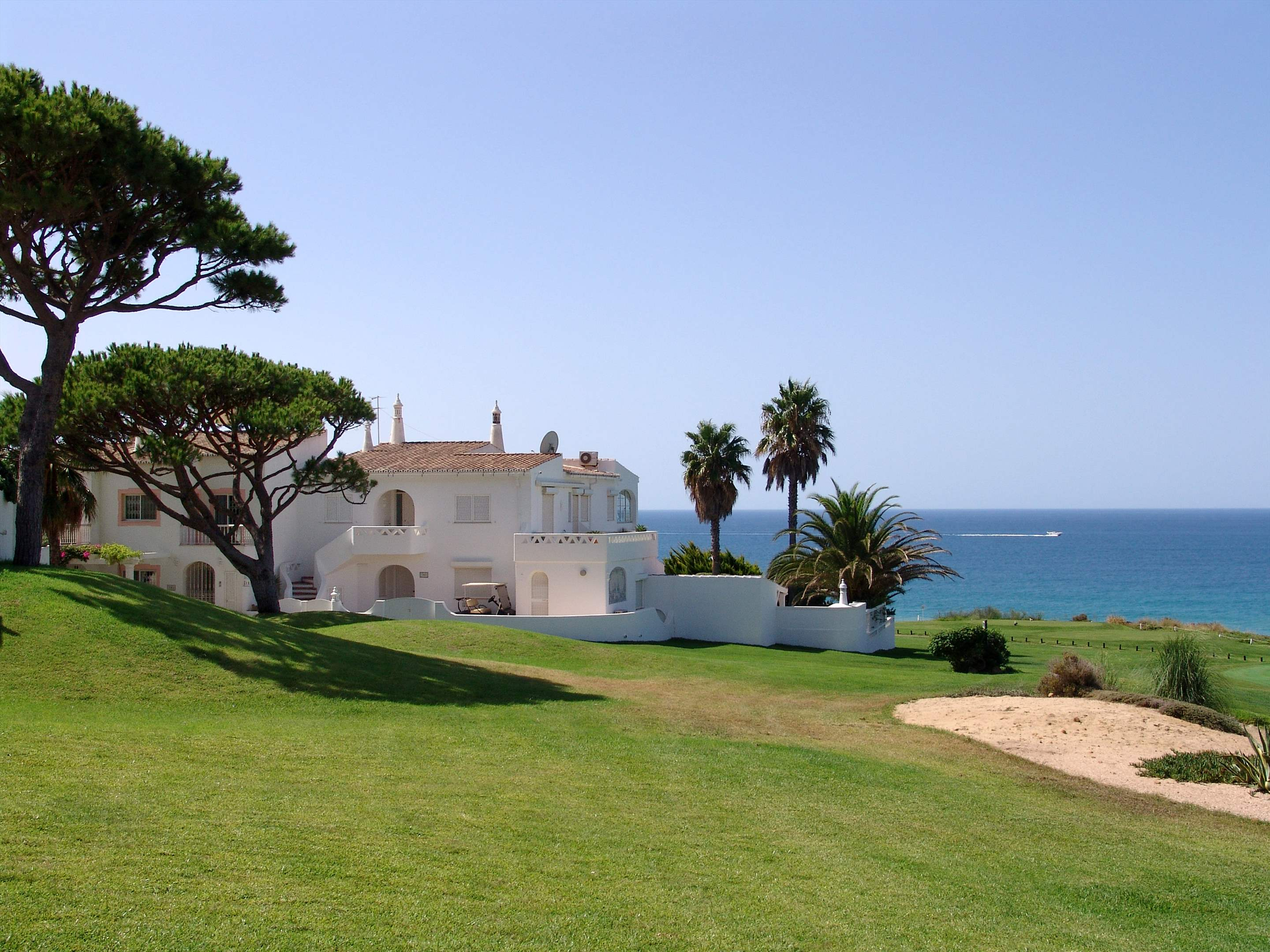 Villas Louisa, 3 bedroom, 3 bedroom villa in Vale do Lobo, Algarve Photo #26