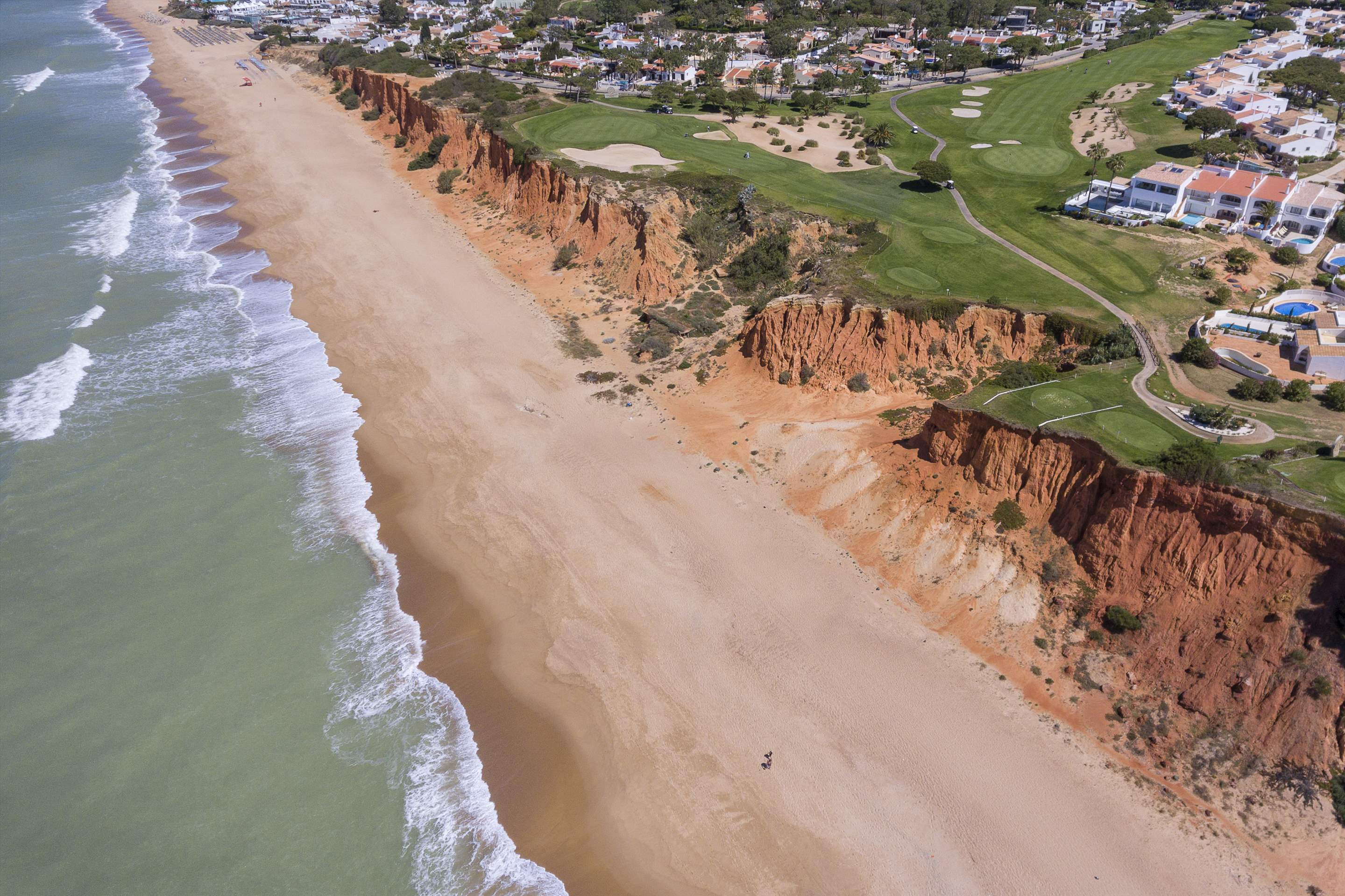 Villas Louisa, 3 bedroom, 3 bedroom villa in Vale do Lobo, Algarve Photo #32