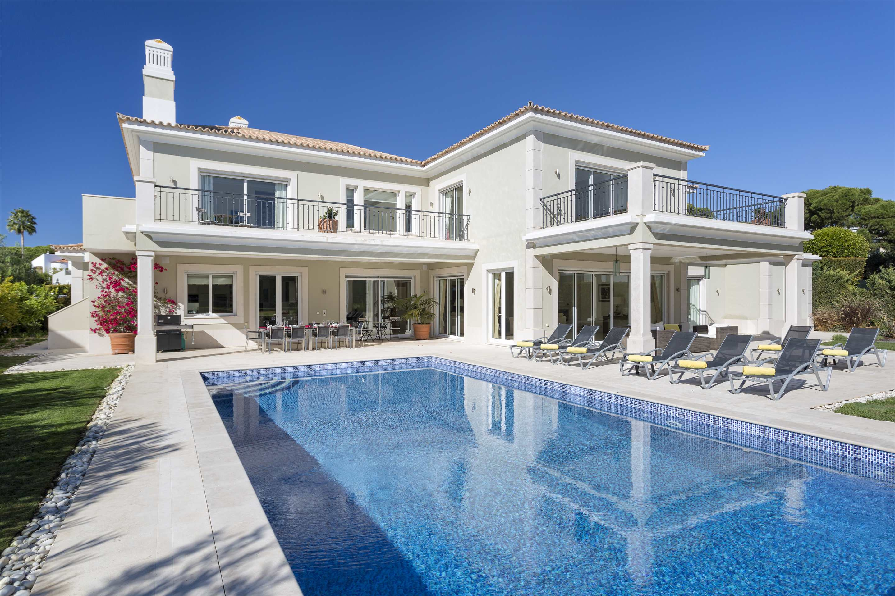 Villa Belissima, 5 bedroom villa in Vale do Lobo, Algarve