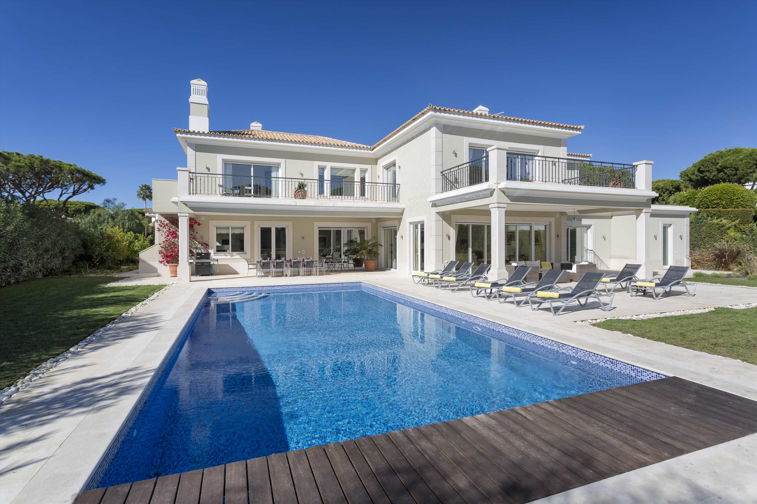 Villa Belissima, 5 bedroom villa in Vale do Lobo, Algarve Photo #10