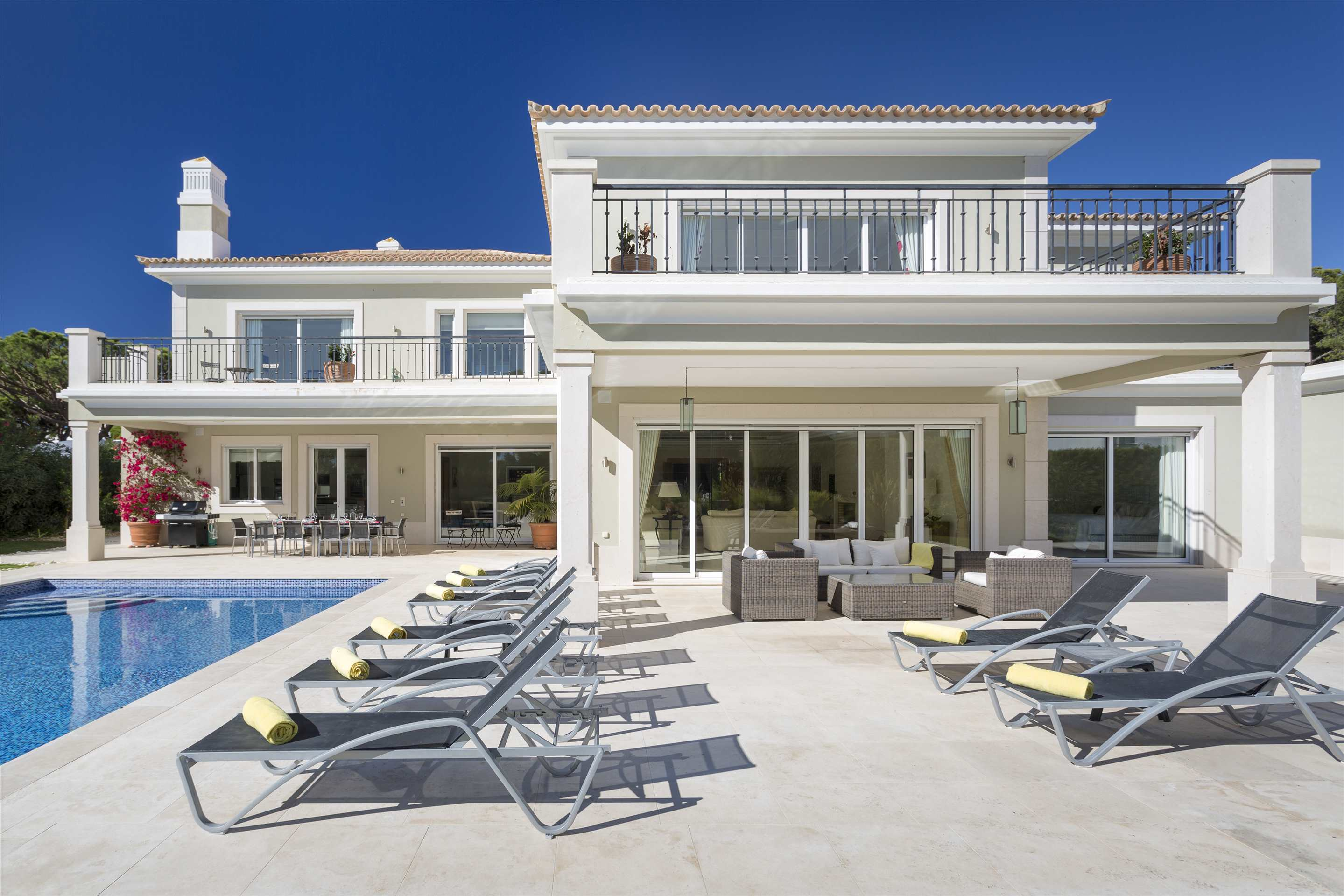 Villa Belissima, 5 bedroom villa in Vale do Lobo, Algarve Photo #11
