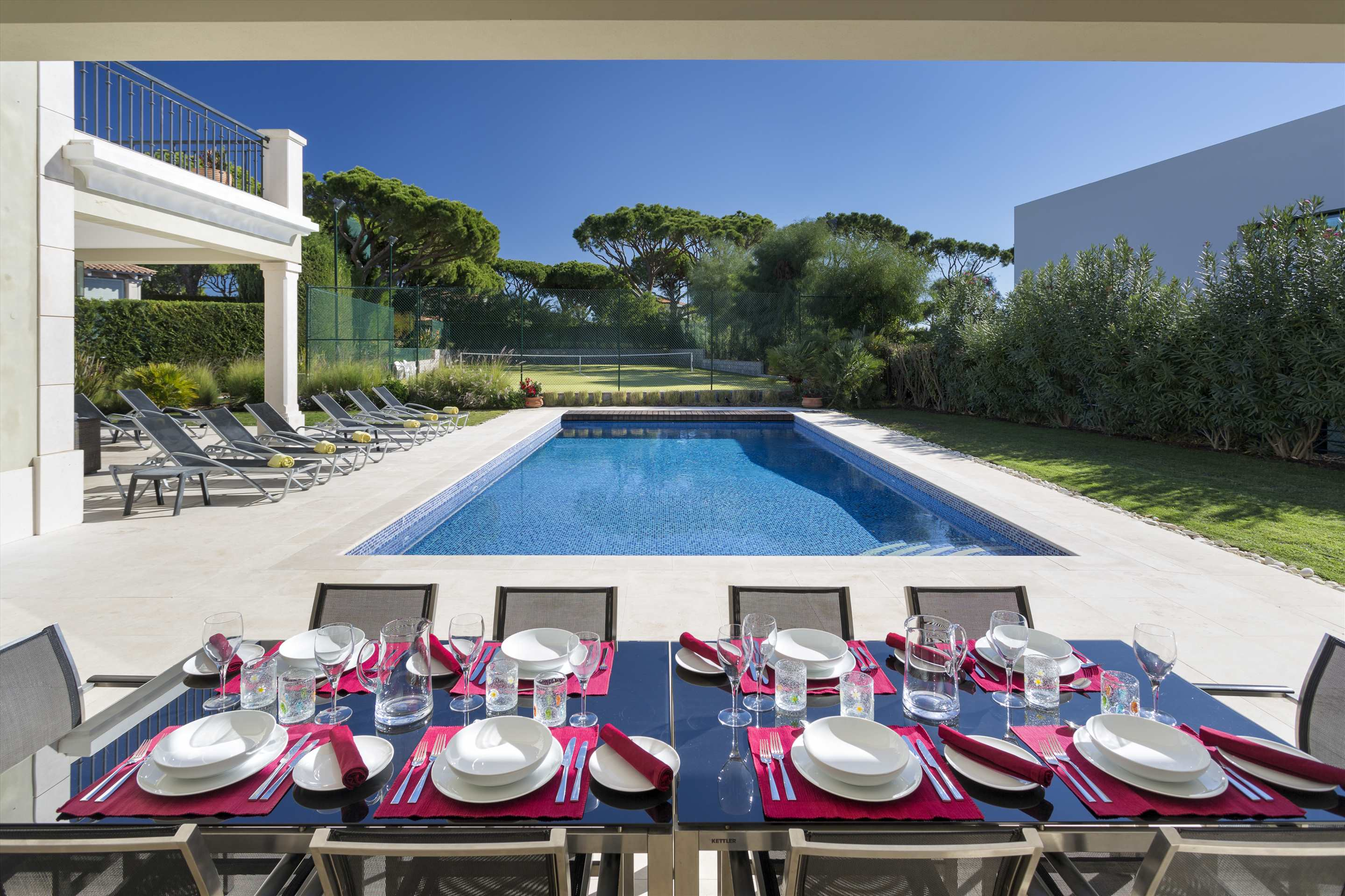 Villa Belissima, 5 bedroom villa in Vale do Lobo, Algarve Photo #2