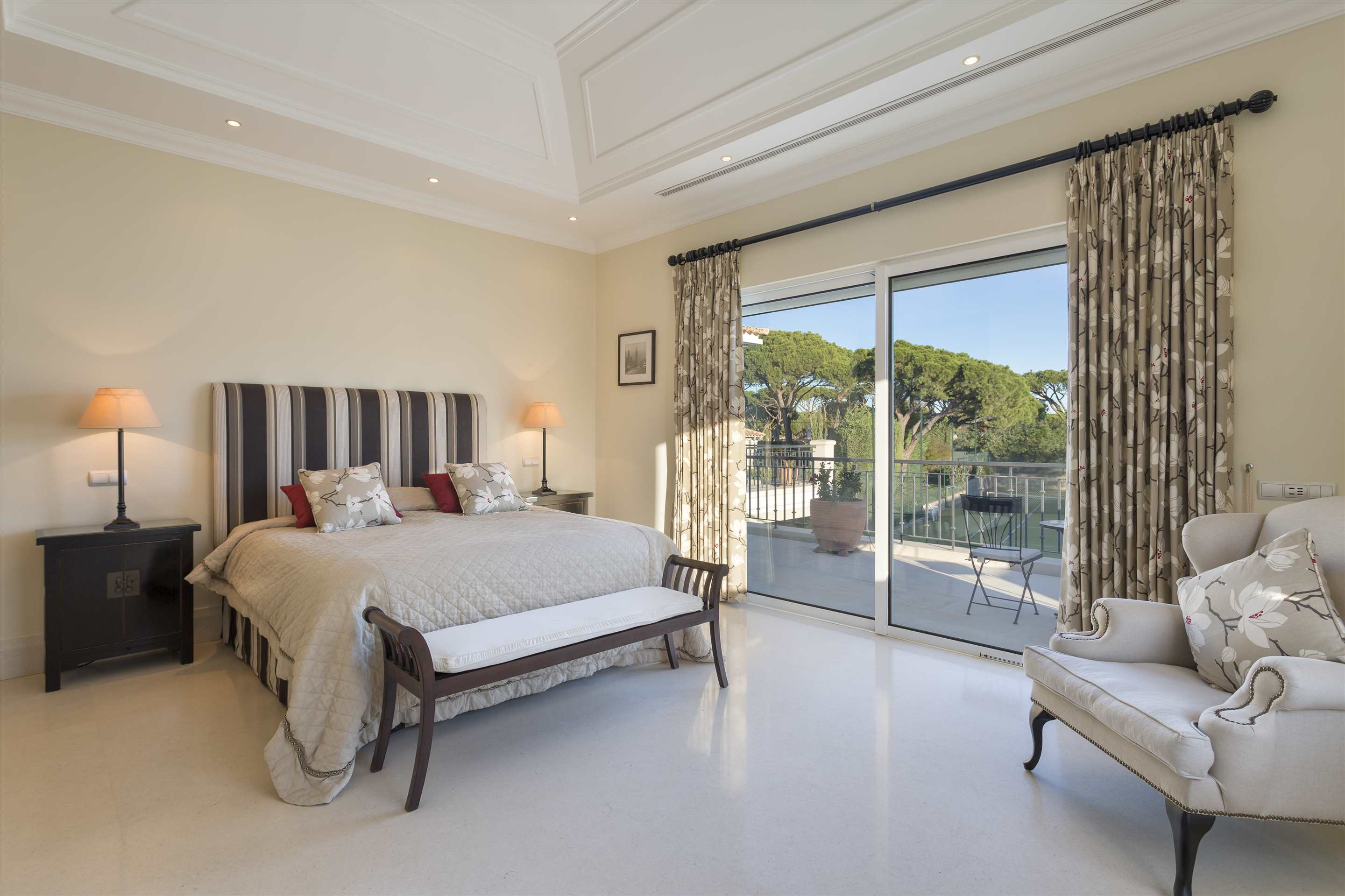 Villa Belissima, 5 bedroom villa in Vale do Lobo, Algarve Photo #24