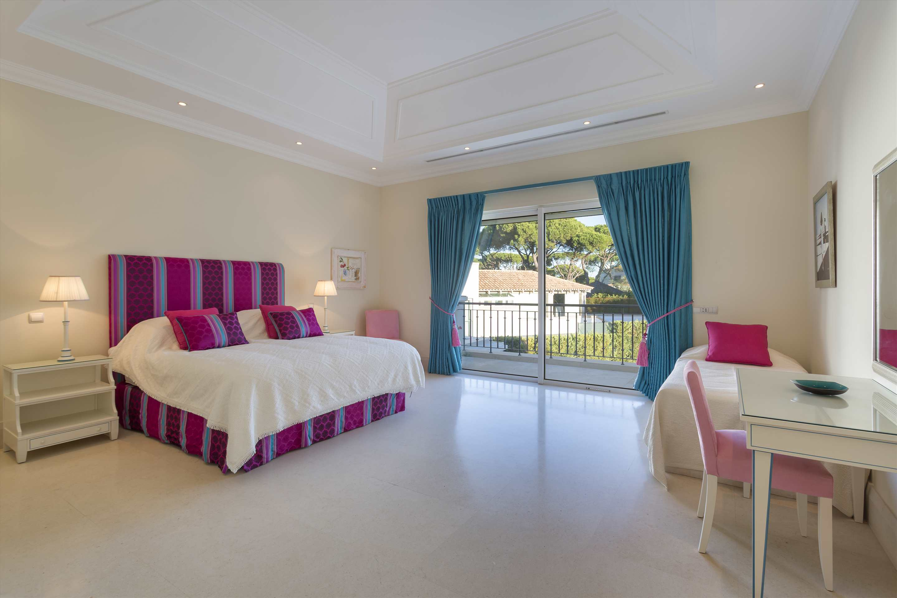 Villa Belissima, 5 bedroom villa in Vale do Lobo, Algarve Photo #26