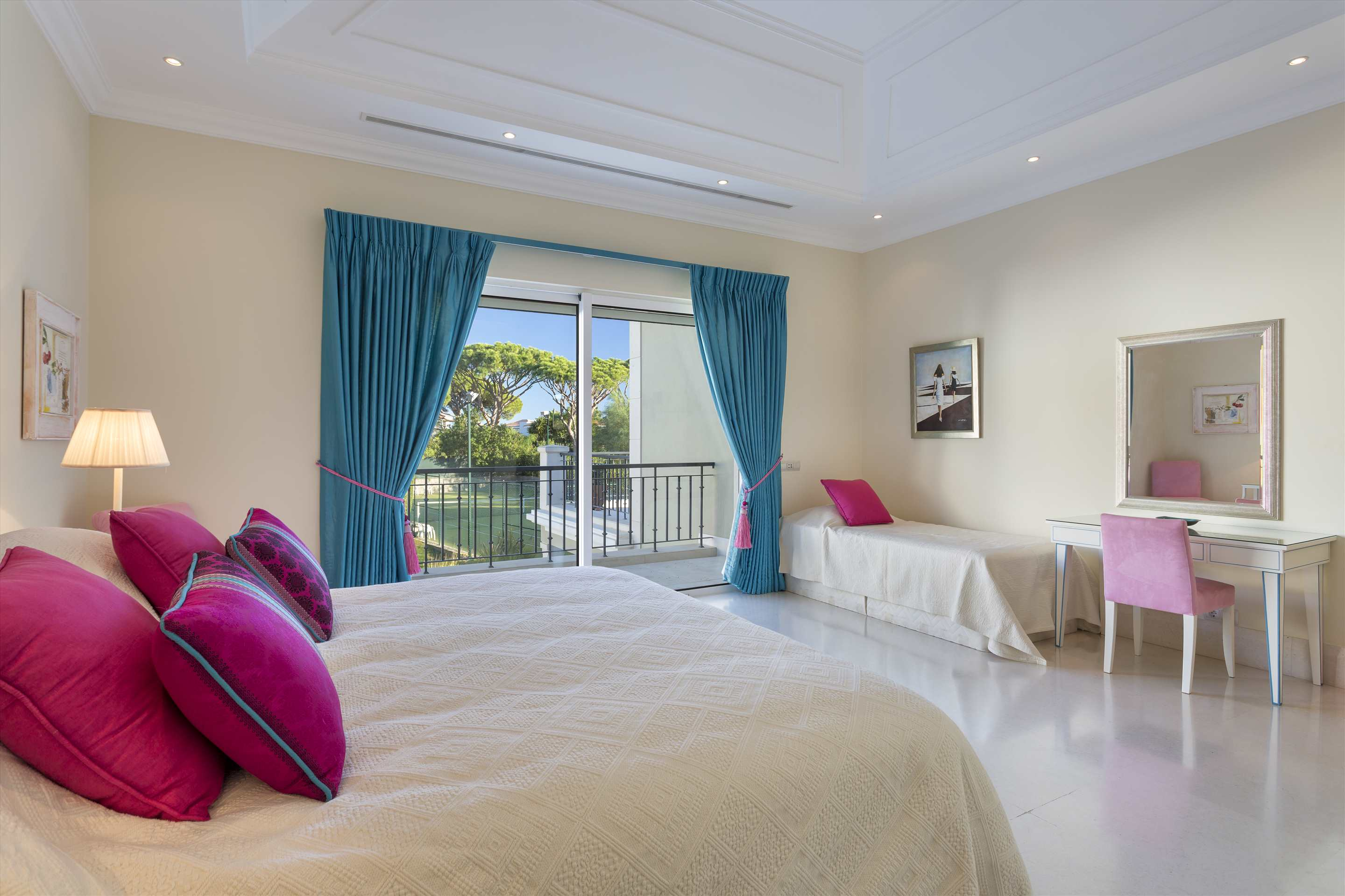 Villa Belissima, 5 bedroom villa in Vale do Lobo, Algarve Photo #27