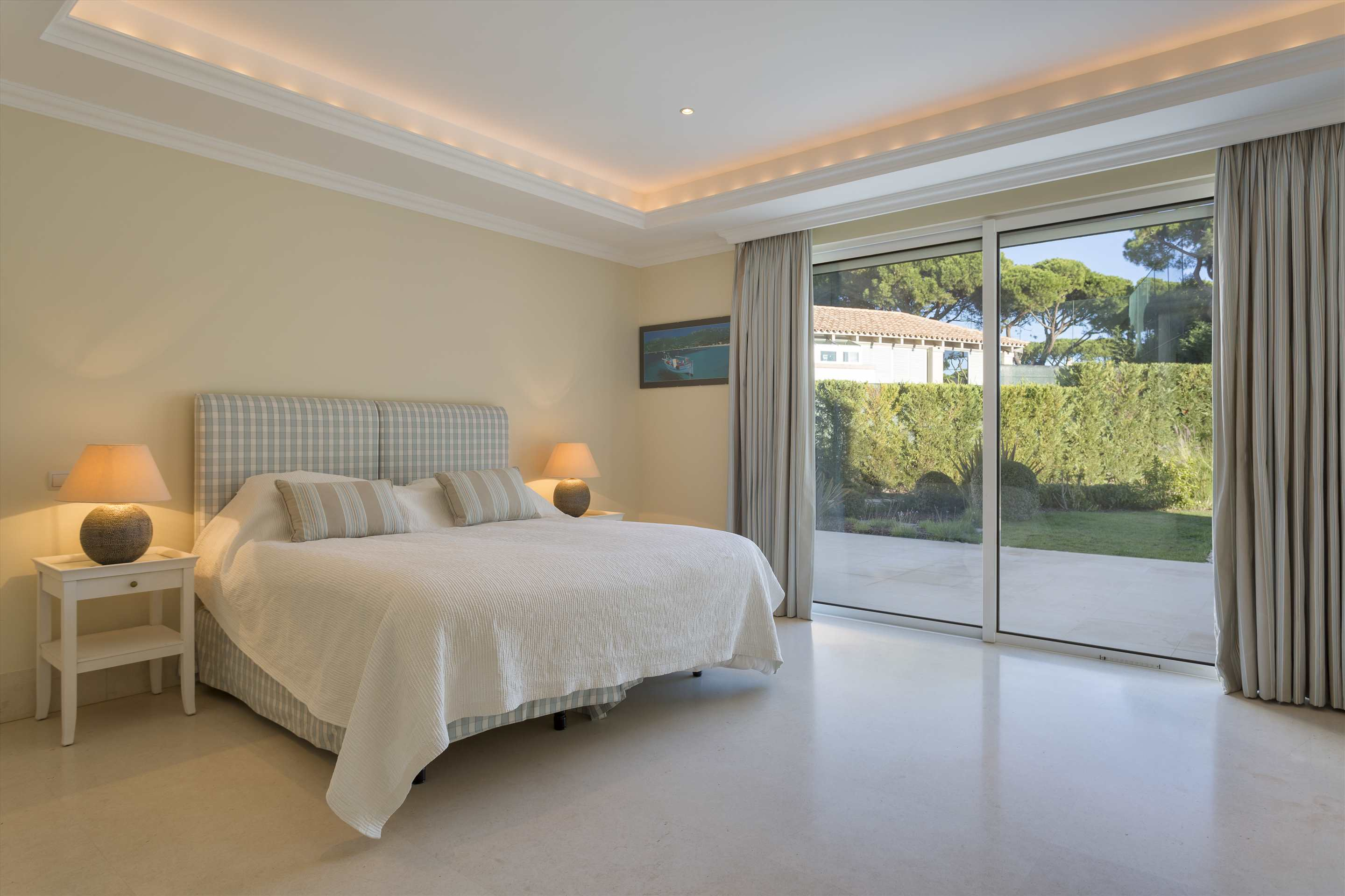 Villa Belissima, 5 bedroom villa in Vale do Lobo, Algarve Photo #31