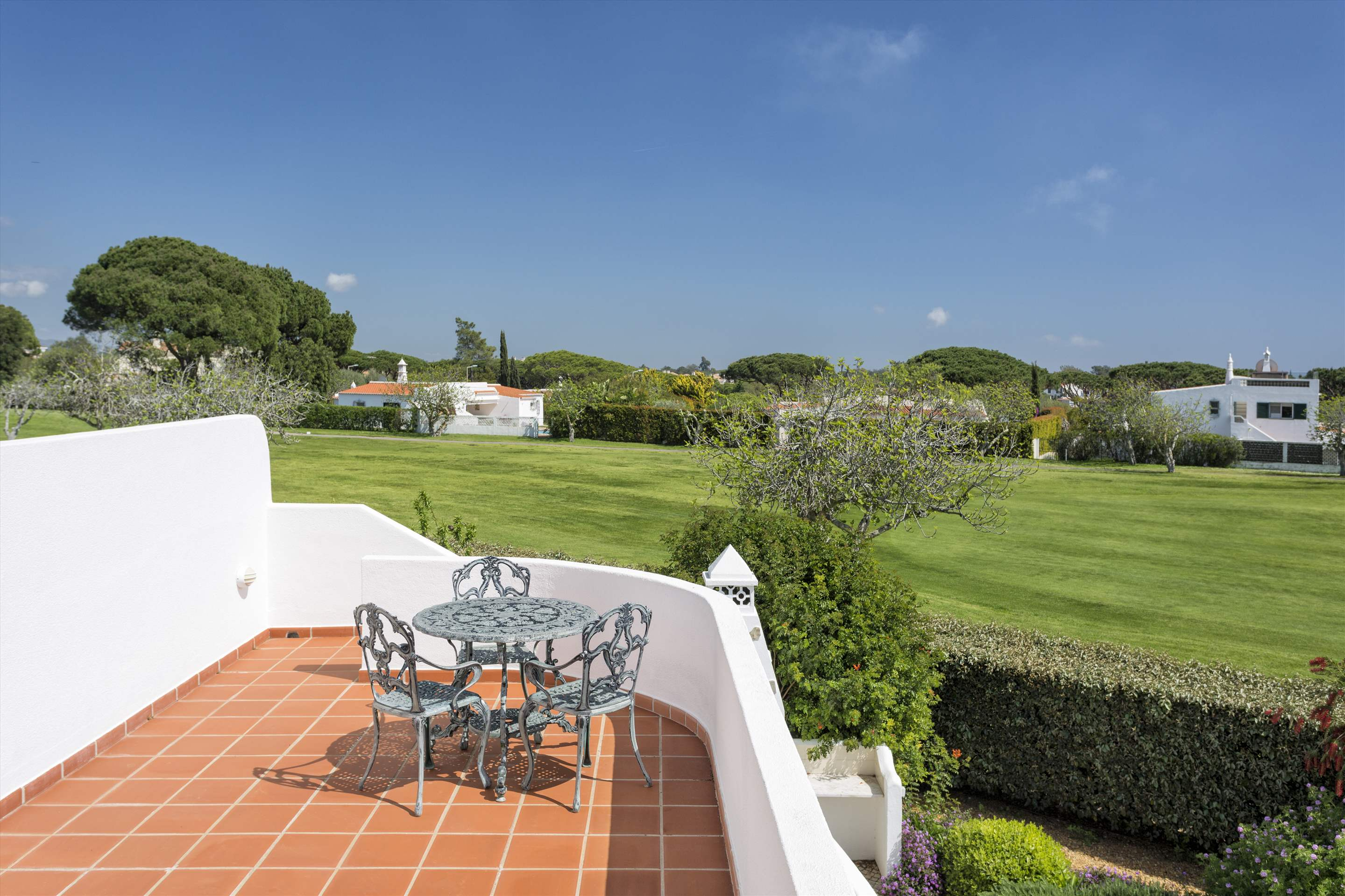 Villa Palmeira, 3 bedroom villa in Vale do Lobo, Algarve Photo #10