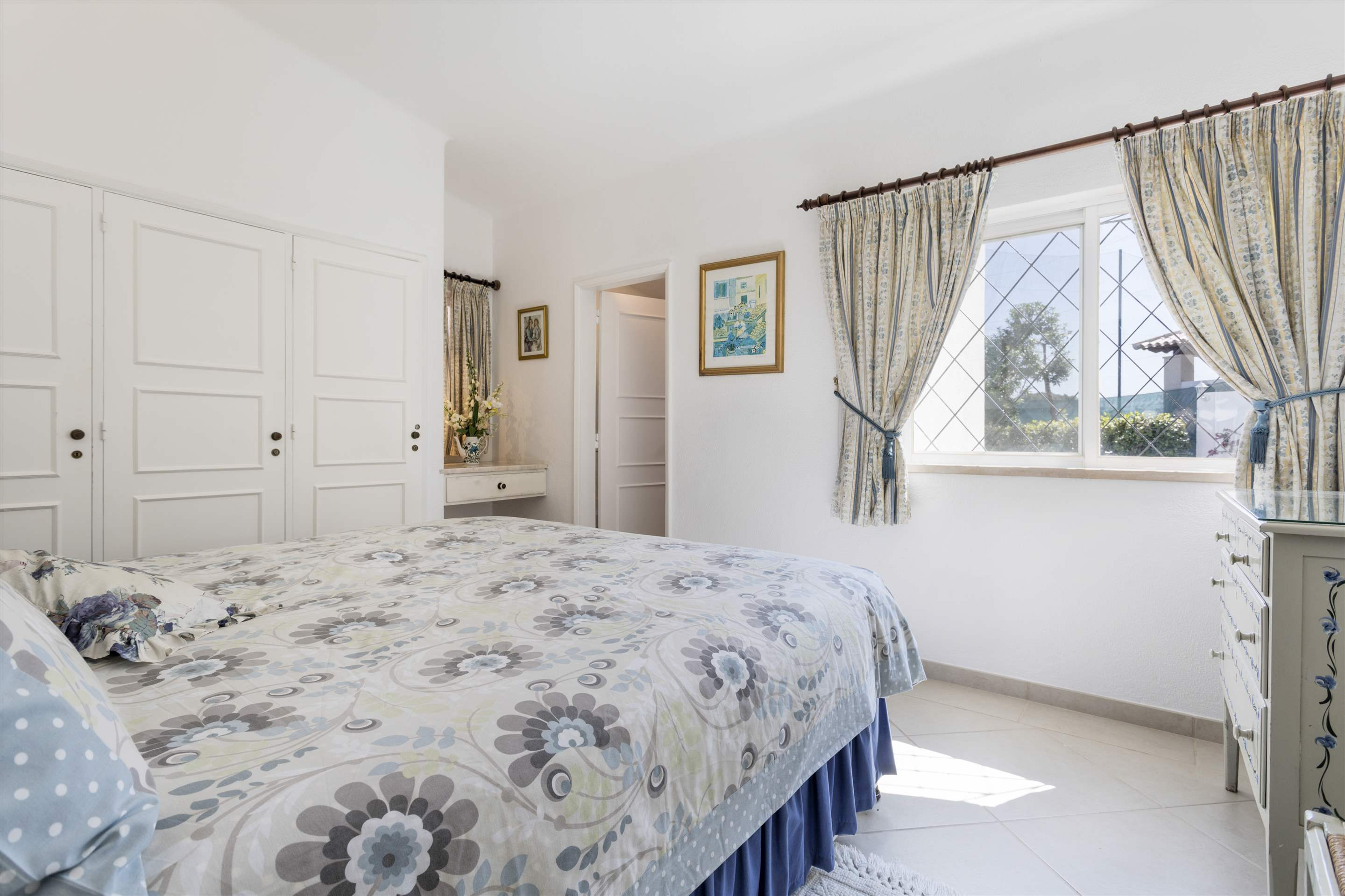 Villa Palmeira, 3 bedroom villa in Vale do Lobo, Algarve Photo #16