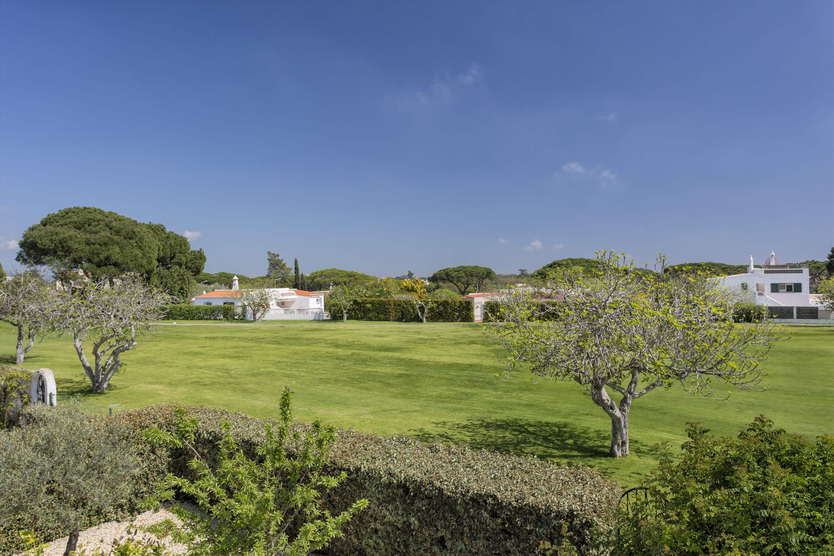 Villa Palmeira, 3 bedroom villa in Vale do Lobo, Algarve Photo #19