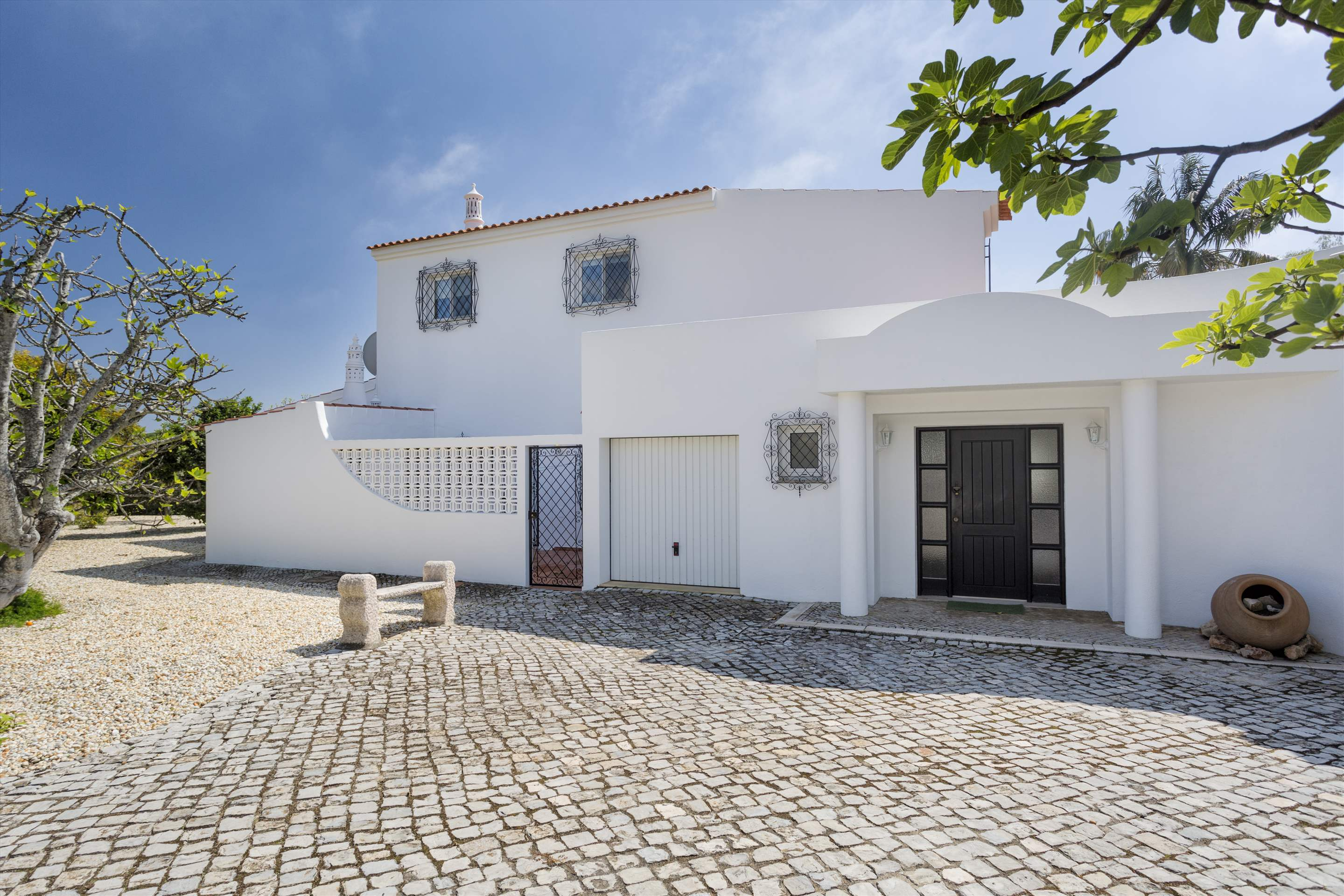 Villa Palmeira, 3 bedroom villa in Vale do Lobo, Algarve Photo #8