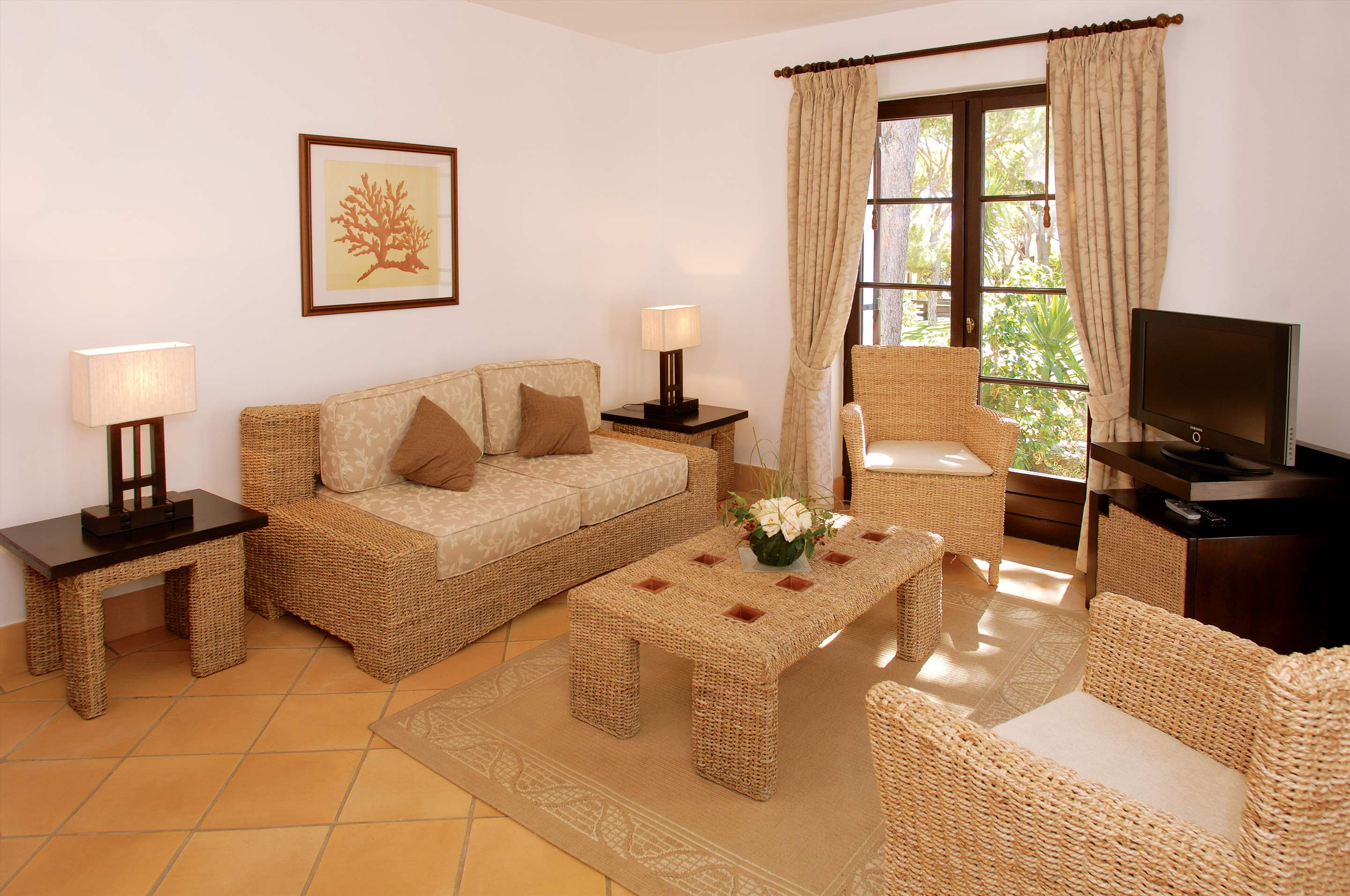 Pine Cliffs Village, 2 Bed Townhouse De Luxe, 2 bedroom villa in Pine Cliffs Resort, Algarve Photo #3
