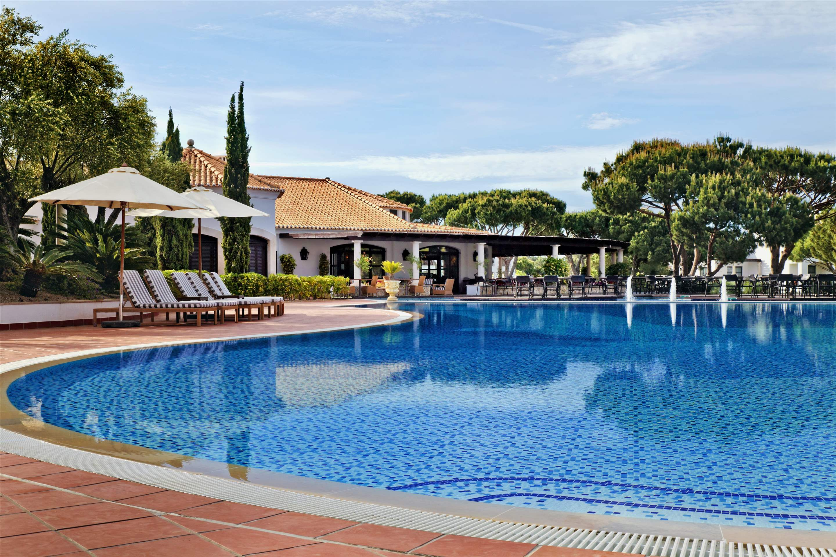 Pine Cliffs Residence, 3 bed luxury garden suite, 3 bedroom apartment in Pine Cliffs Resort, Algarve Photo #2