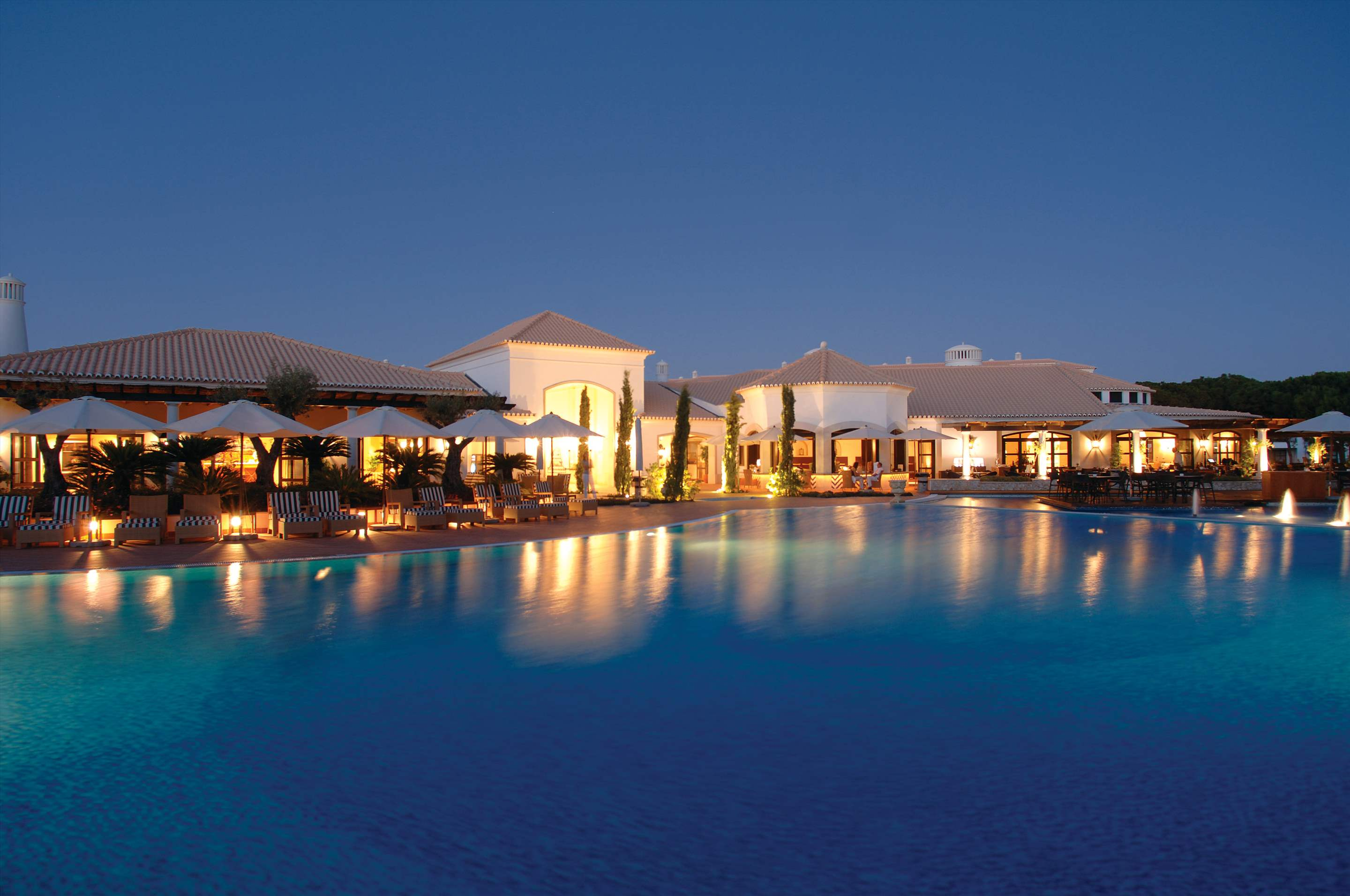 Pine Cliffs Residence, 3 bed luxury garden suite, 3 bedroom apartment in Pine Cliffs Resort, Algarve Photo #25