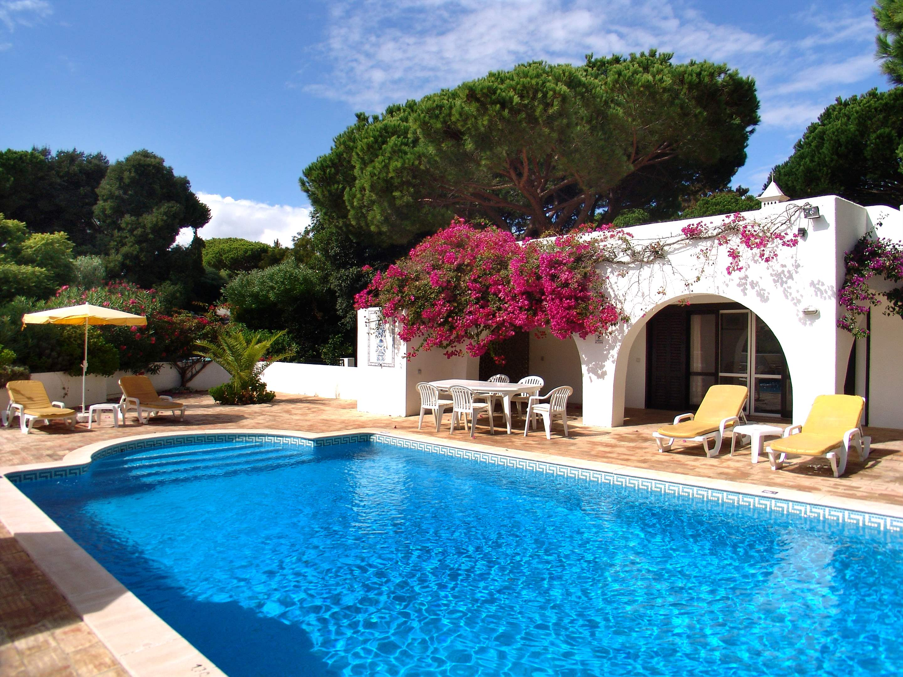 Villa Bouganvilea, 3 bedroom villa in Vale do Lobo, Algarve