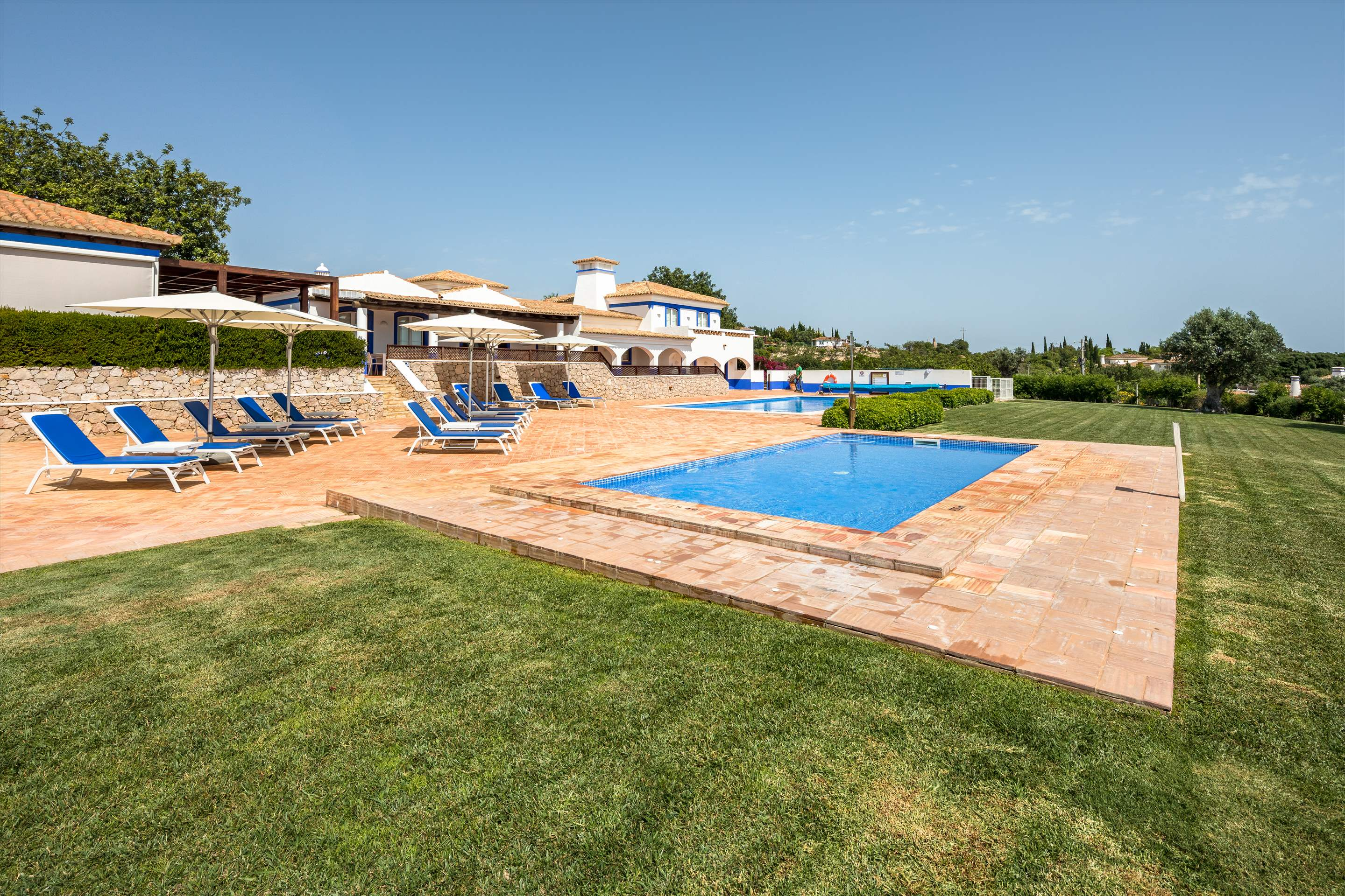 Casa Cahombo, 5 bedroom rate for 7-10 persons, 5 bedroom villa in Vilamoura Area, Algarve