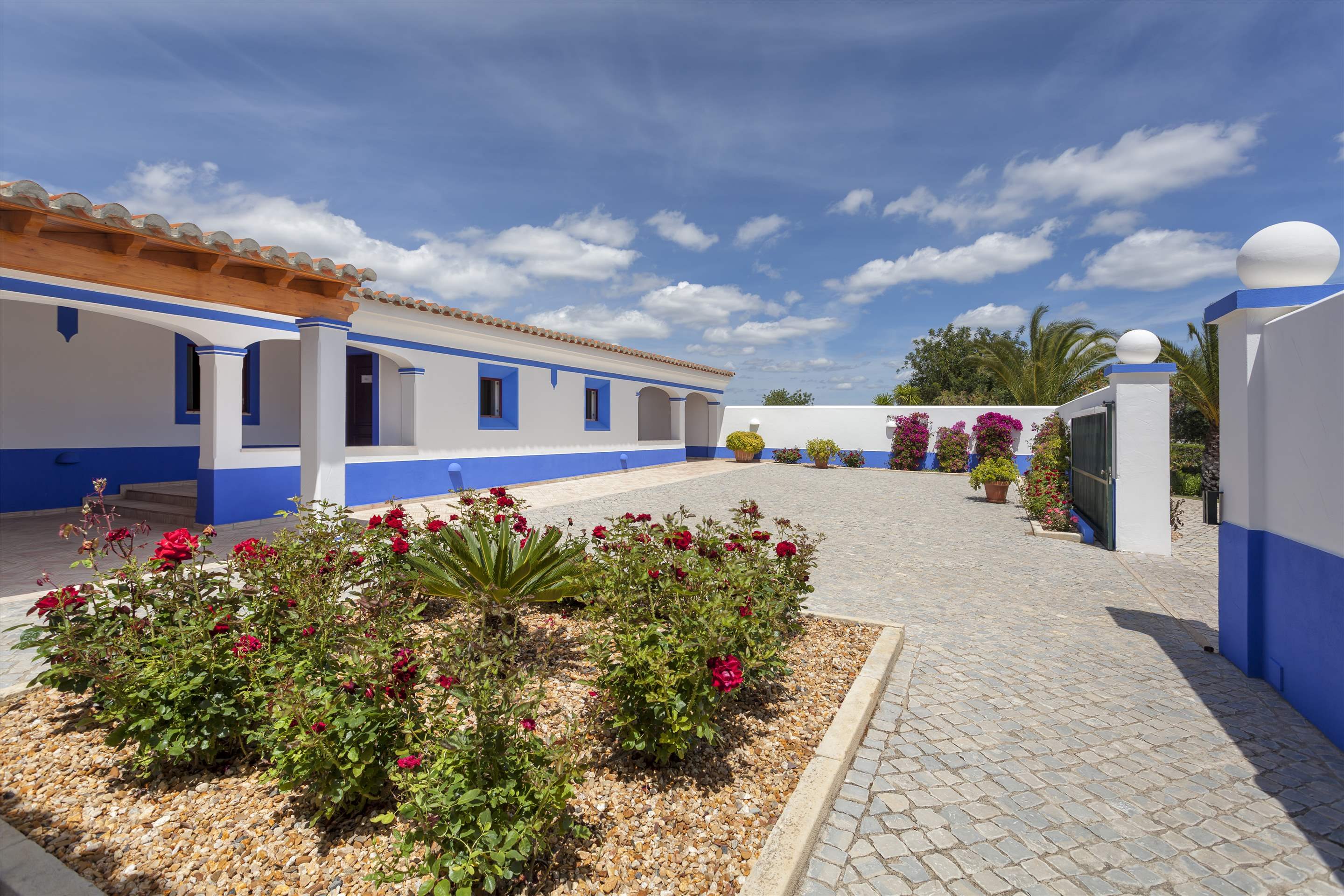 Casa Cahombo, 5 bedroom rate for 7-10 persons, 5 bedroom villa in Vilamoura Area, Algarve Photo #20
