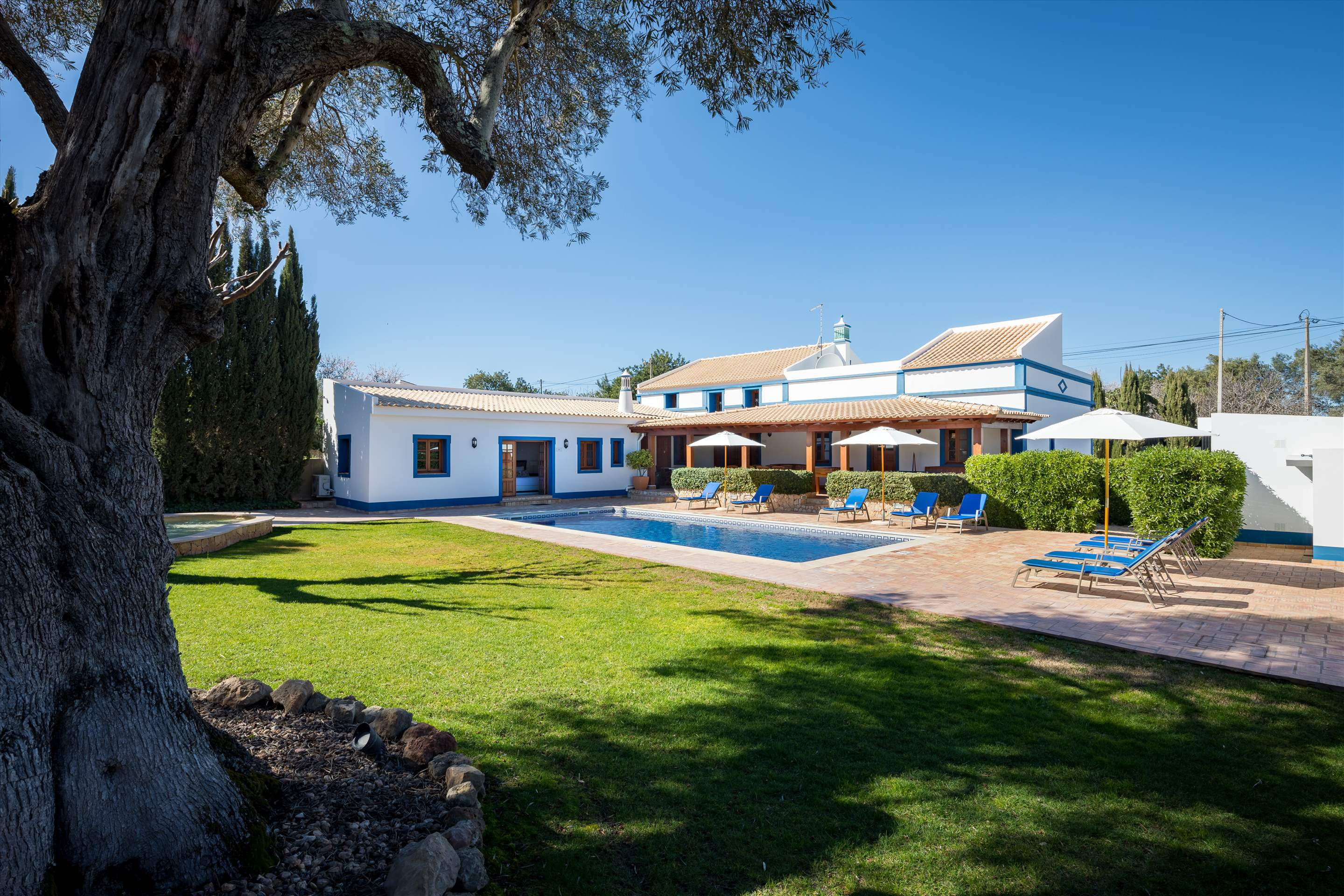 Casa do Ingles, 7-10 persons, 4 bedroom villa in Vilamoura Area, Algarve