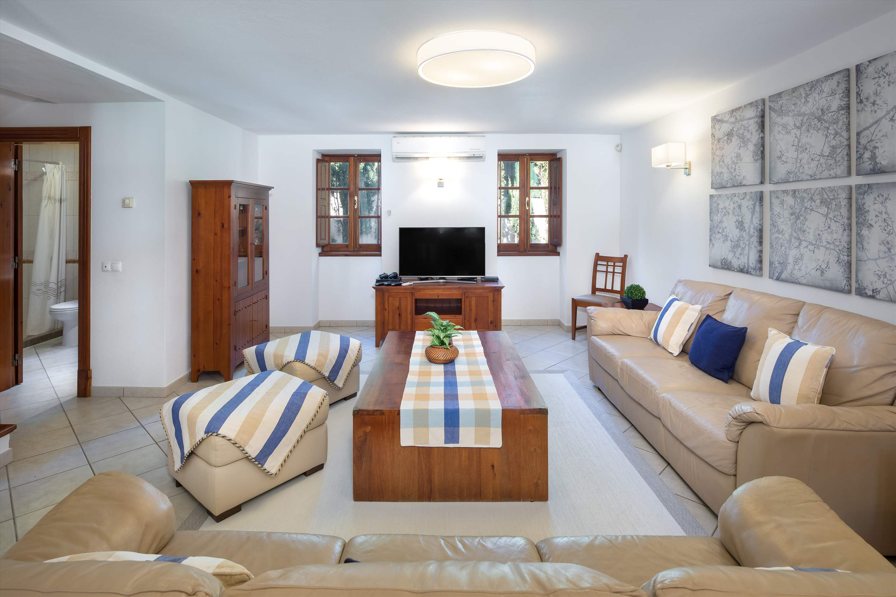 Casa do Ingles, 7-10 persons, 4 bedroom villa in Vilamoura Area, Algarve Photo #4