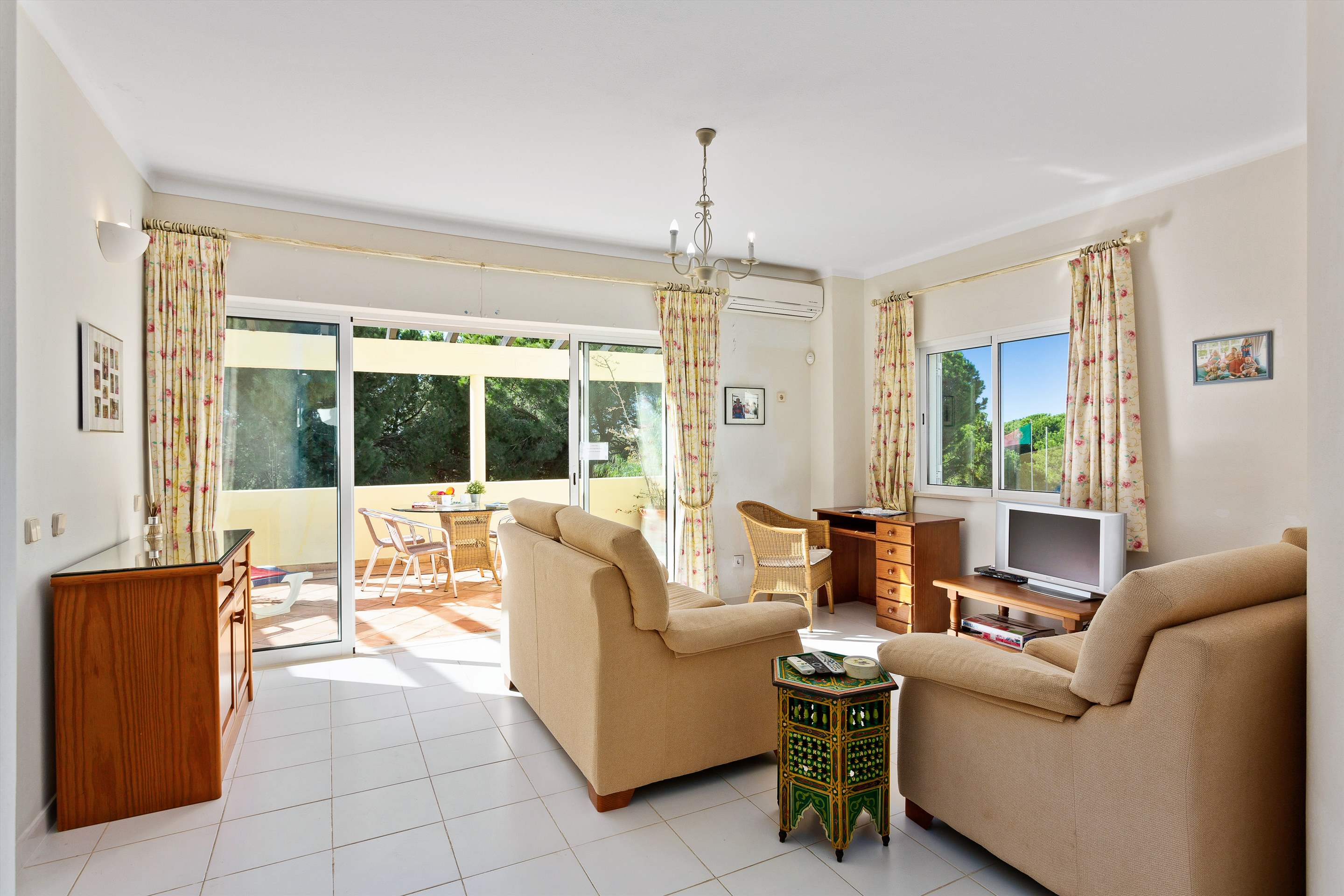 Villa Sarina, 4 bedroom villa in Vilamoura Area, Algarve Photo #10