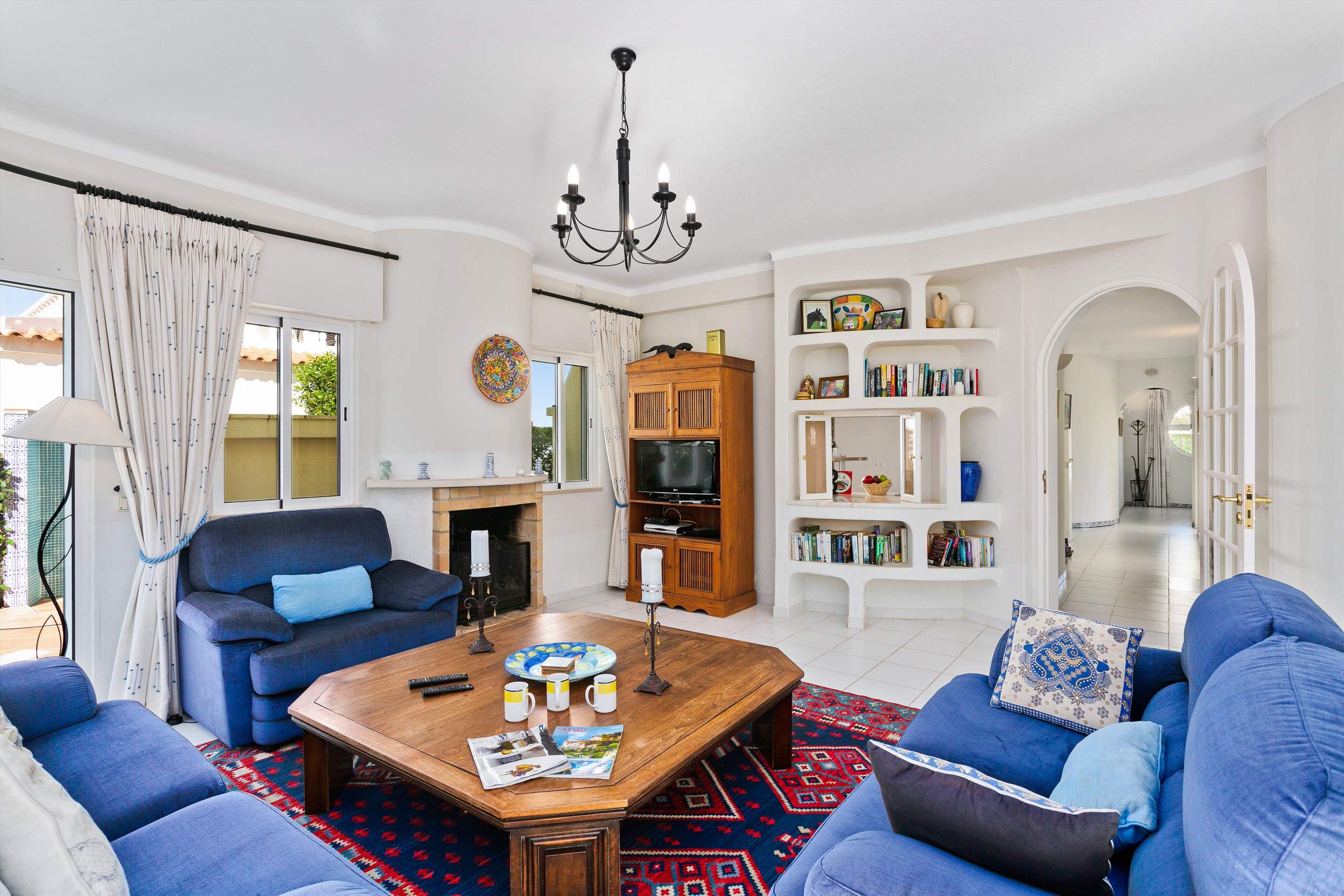Villa Sarina, 4 bedroom villa in Vilamoura Area, Algarve Photo #3