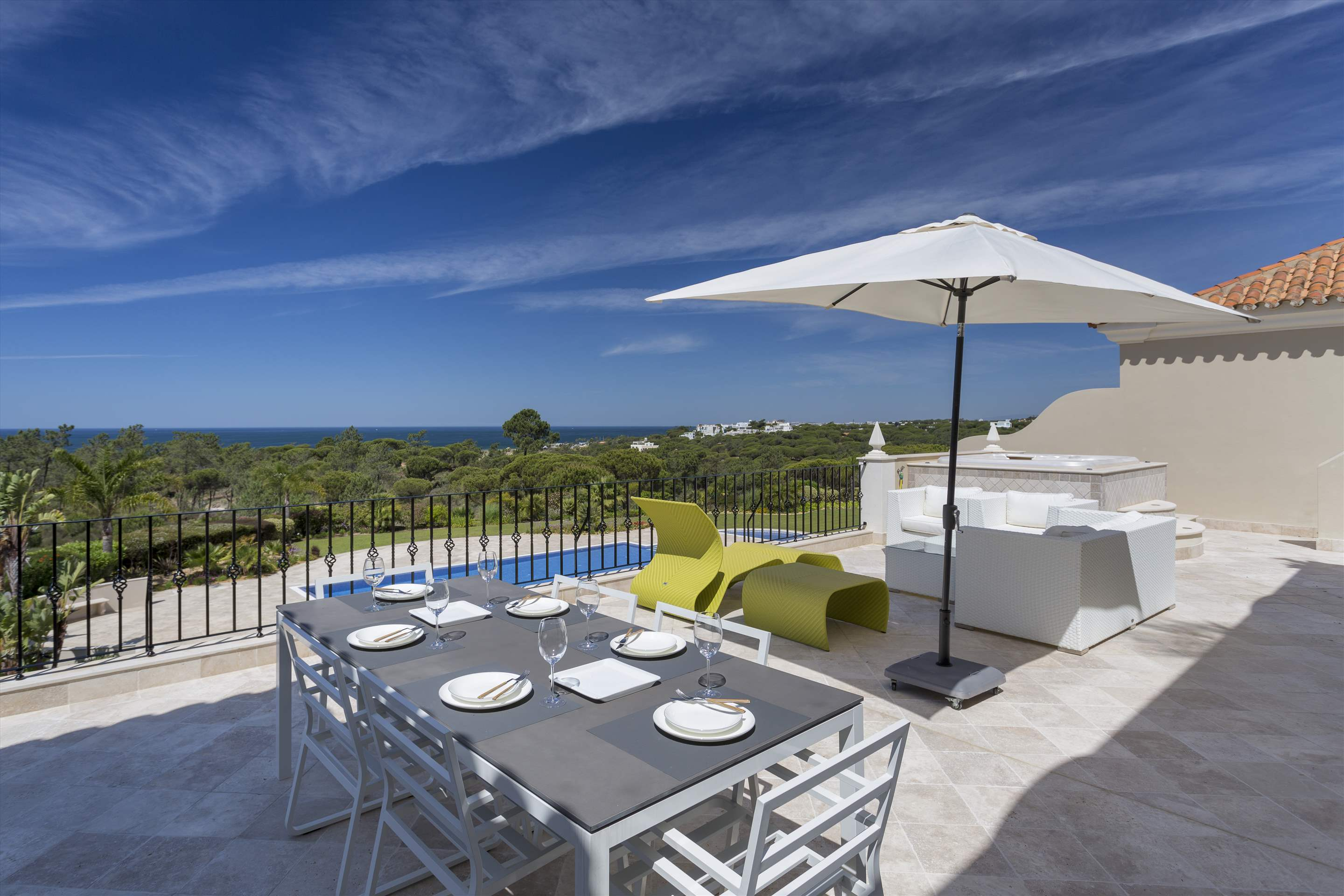 Penthouse Vista Mar, 2 bedroom apartment in Quinta do Lago, Algarve Photo #12