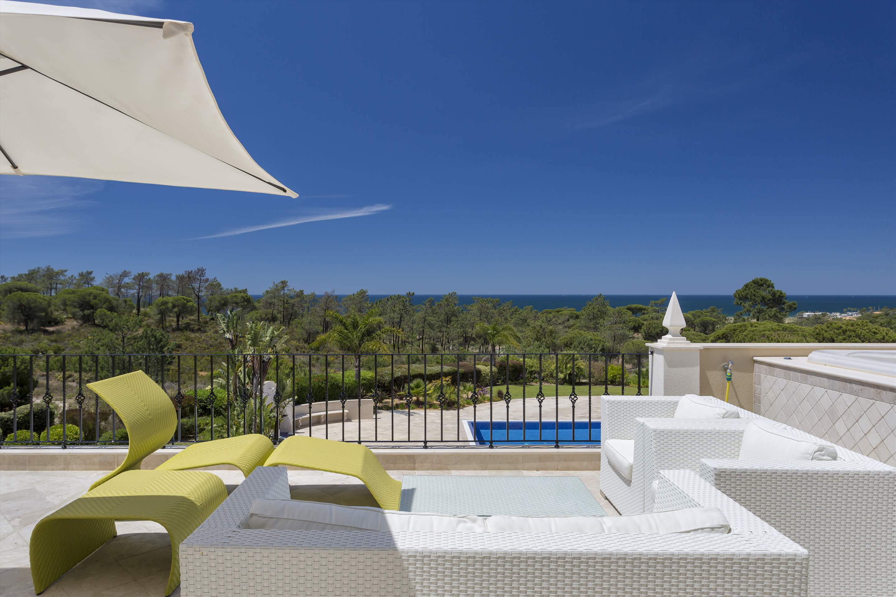 Penthouse Vista Mar, 2 bedroom apartment in Quinta do Lago, Algarve Photo #13
