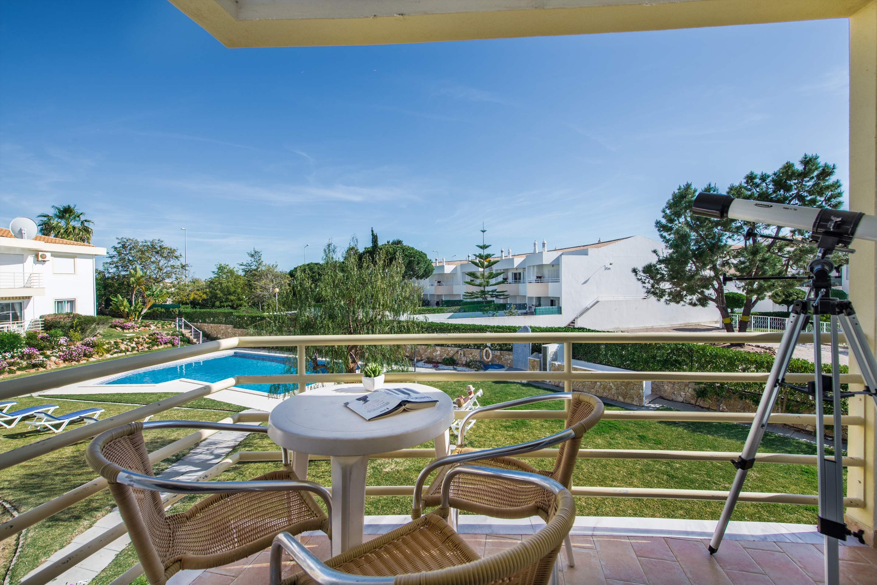 Apt 1E Gale Garden, For 5-6 Persons, 3 bedroom apartment in Gale, Vale da Parra and Guia, Algarve