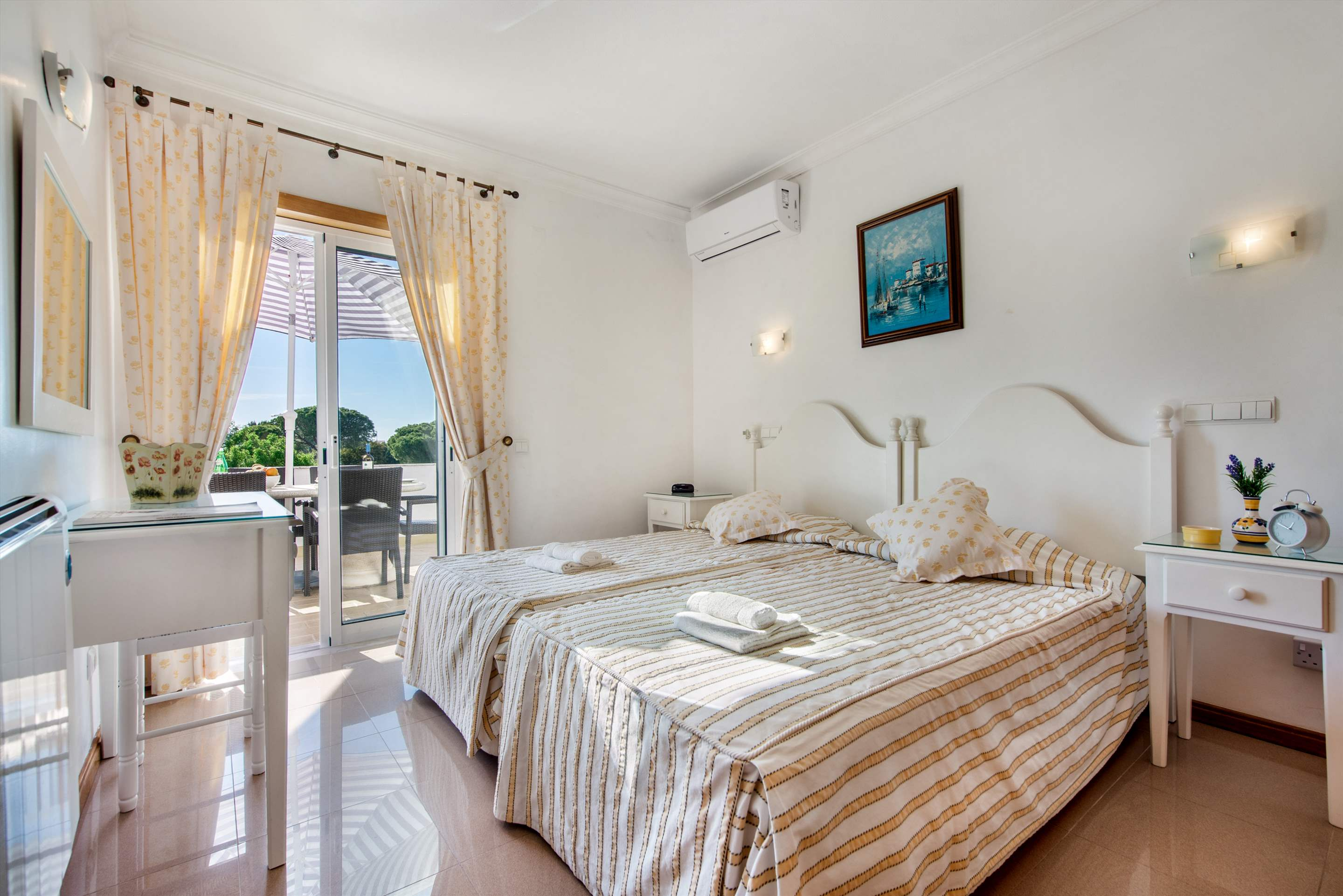 Apt 1E Gale Garden, For 5-6 Persons, 3 bedroom apartment in Gale, Vale da Parra and Guia, Algarve Photo #14