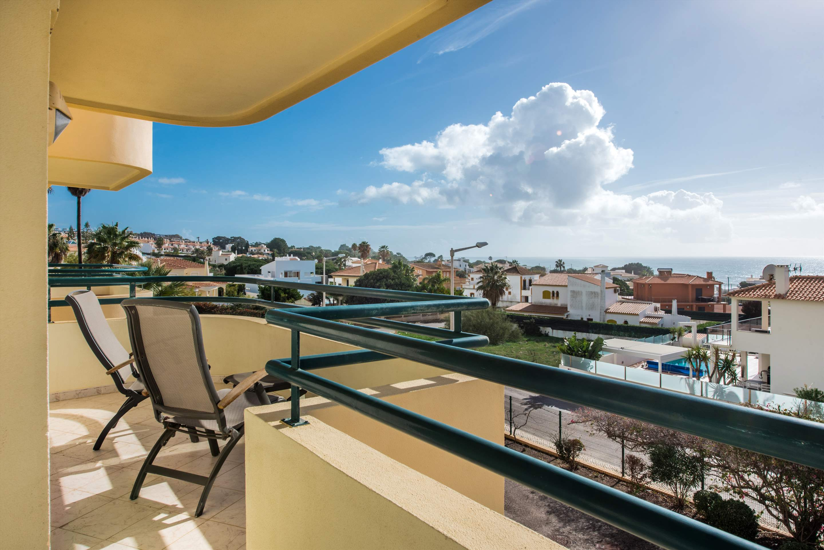 Apt Gale Mar, For 5-6 Persons, 3 bedroom apartment in Gale, Vale da Parra and Guia, Algarve Photo #2